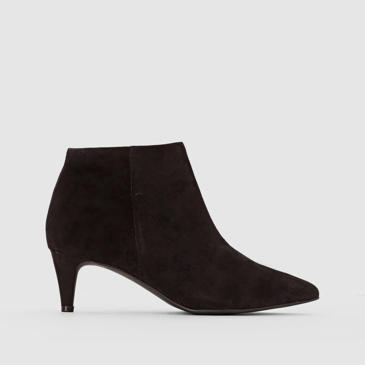 БотильоныПреимущества:   : ботильоны на стильном каблуке-шпильке,остроконечной формы без сомнения выглядят роскошно .<br><br>Цвет: черный<br>Размер: 38.40