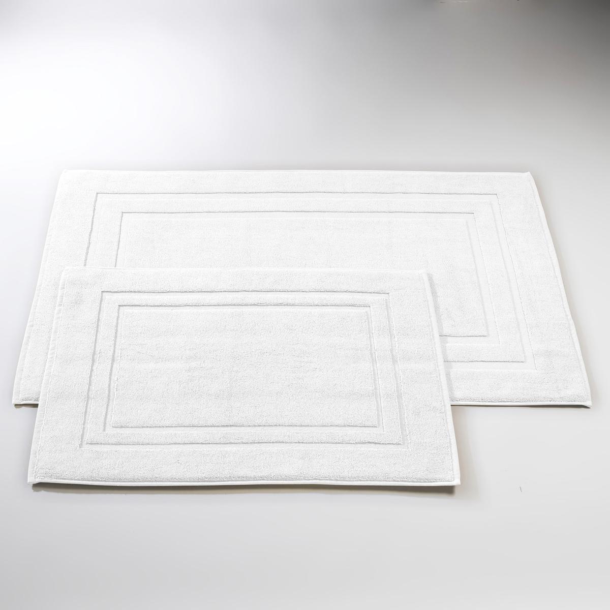 Коврик для ванной, 1100 г/м?, качество BestКоврик для ванной качества BEST : удивительное ощущение тепла под ногами... Короткий и мягкий ворс, невероятная впитывающая способность и гамма изысканных расцветок .Есть модель в форме умывальника, 40 x 50 см, 50 x 70 см, 60 x 60 см, 60 x 100 см Характеристики коврика для ванной:- Махровая ткань 100% хлопка, супер густая и впитывающая (1100 г/м?).Машинная стирка при 60 °С.Производство осуществляется с учетом стандартов по защите окружающей среды и здоровья человека, что подтверждено сертификатом Oeko-tex®.<br><br>Цвет: бежевый,белый,гранатовый,зелено-синий,зеленый мох,розовая пудра,светло-серый,светло-синий,Серо-синий,синий морской,темно-серый,фиолетовый,шафран<br>Размер: 50 x 70  см.50 x 70  см.60 x 60  см