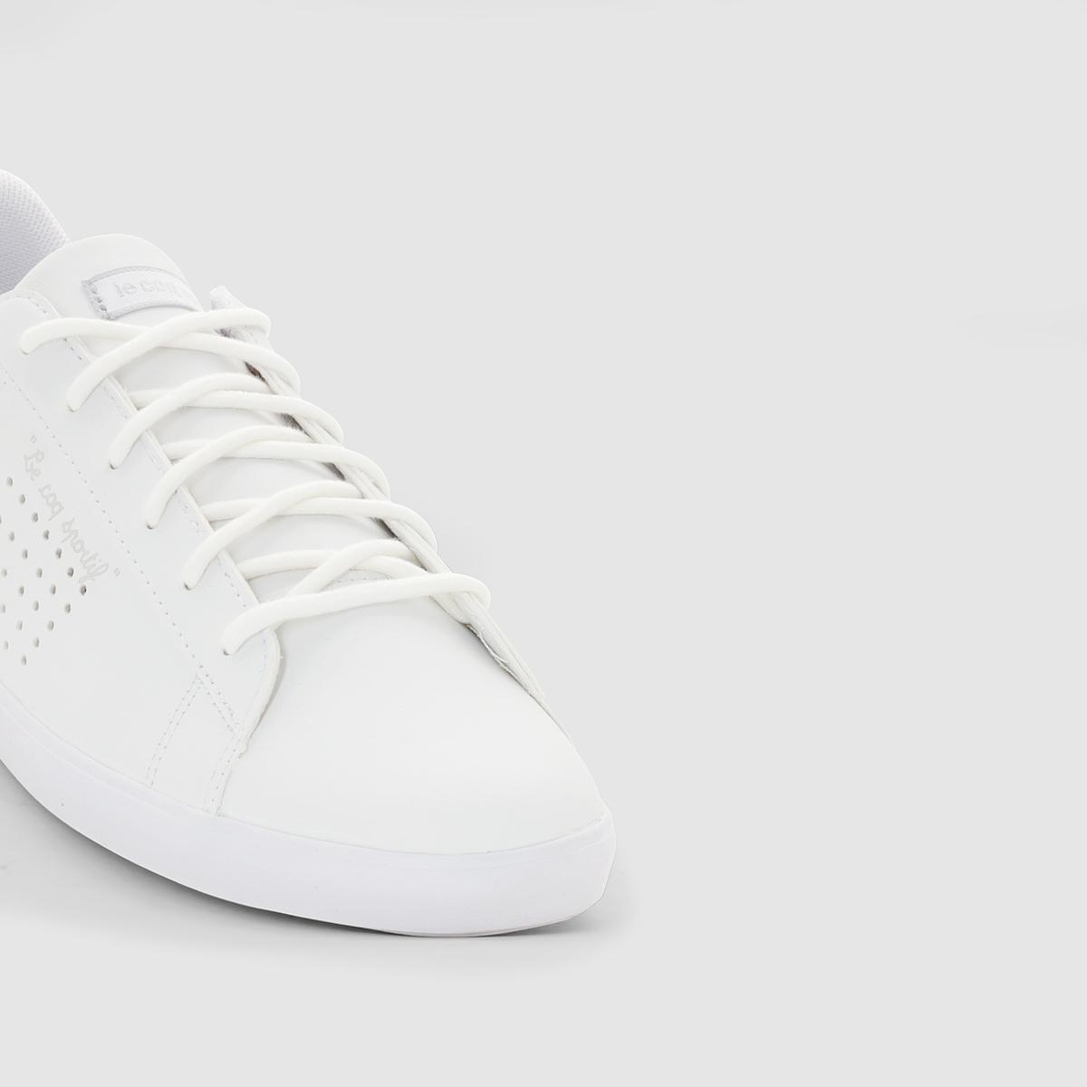 LE COQ SPORTIF AGATE LO S LEAКеды на шнуровке, AGATE LO S LEA от LE COQ SPORTIF.Верх : синтетика Подкладка : текстильСтелька : текстильПодошва : резинаЗастежка : шнуровка За основу этих великолепных кожаных кед взята теннисная обувь...Agate Lo напоминает другую культовую модель -  Arthur Ashe. Заниженный и более утонченный верх украшен изысканными деталями, а перфорация подчеркивает атлетический характер. Спортивные и модные кеды придадут вашему образу французский шик в любом сочетании!<br><br>Цвет: белый