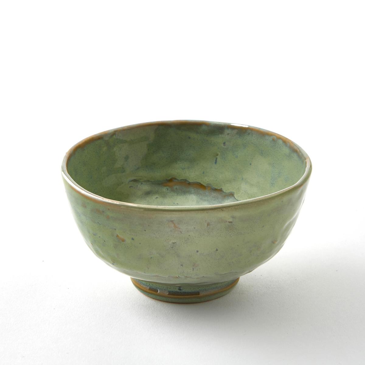 Миска из керамики Pure, дизайн П. Нессенс, SeraxХарактеристики :- Из керамики, покрытой глазурью. - Можно использовать в посудомоечных машинах и микроволновых печах. - Салатница того же набора представлена на нашем сайте.Размеры :- диаметр 14,5 x высота 7,3 см.<br><br>Цвет: зеленый/темно-зеленый