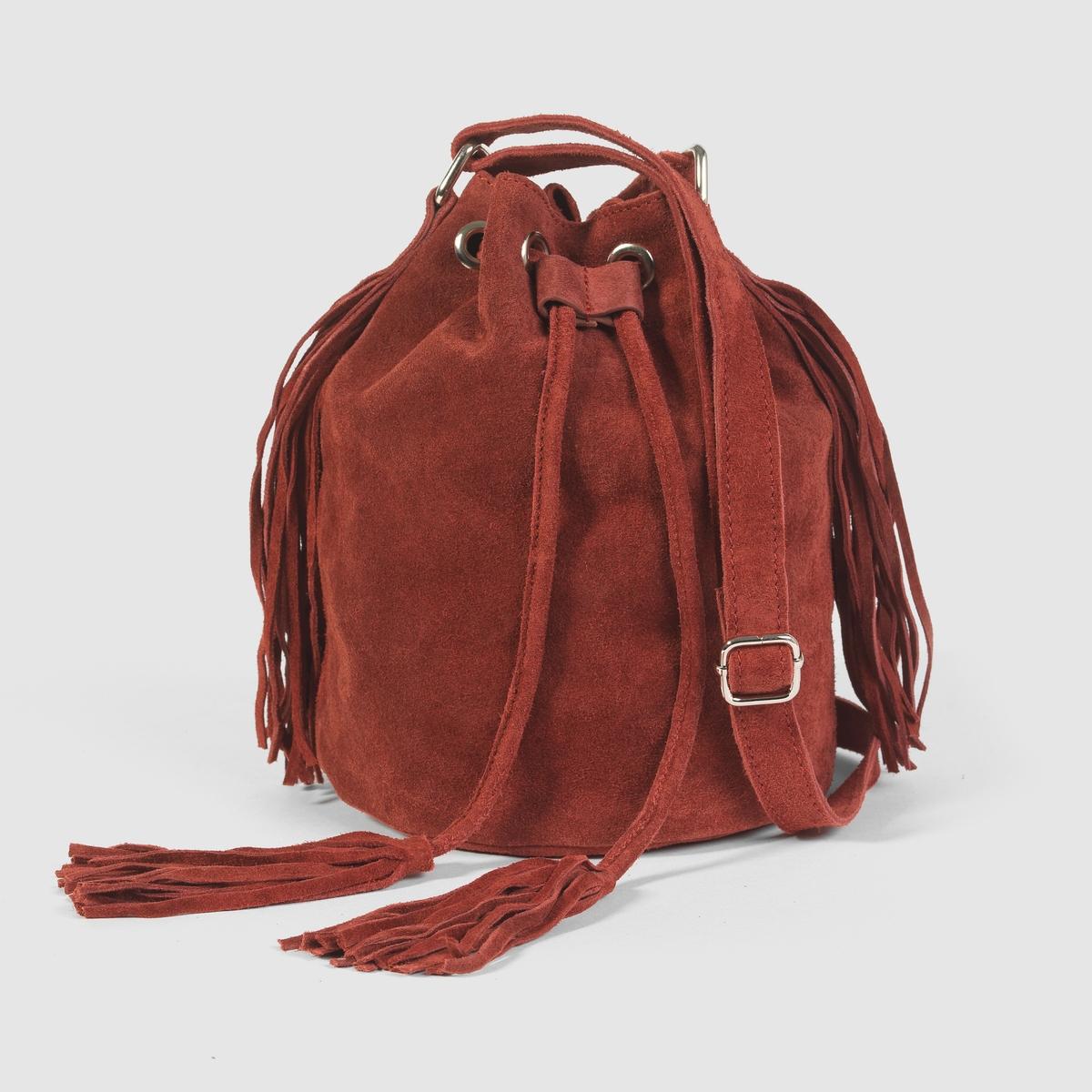 Сумка-торба кожанаяНебольшая сумка-торба из невыделанной кожи, с бахромой, Mademoiselle R .Стильная отделка бахромой и завязка на кулиске для быстрого закрывания  : с этой сумкой хочется отправиться открывать новые городские пространства  ! Состав и описаниеМатериал             верх : спилок                          подкладка : текстильМарка            Mademoiselle RРазмеры :    диаметр 17 см x высота 24 смЗастежка : завязки на кулиске с помпонами на концах из спилка.Регулируемый плечевой ремень.<br><br>Цвет: бордовый<br>Размер: единый размер