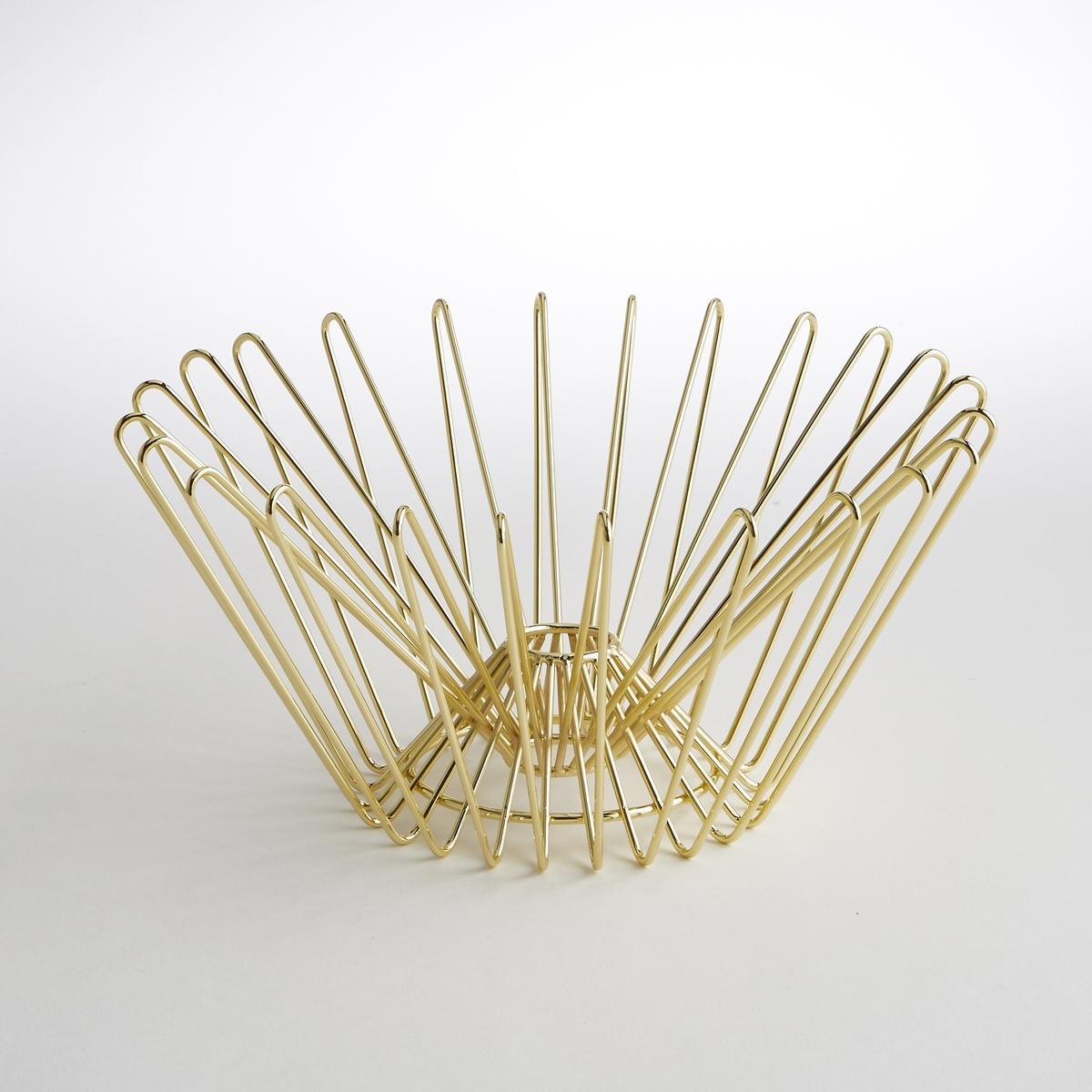 Корзина из латуни с золотистым покрытиемЭлегантная и изысканная корзина из латуни с золотистым покрытием добавит в Ваш интерьер винтажную нотку и сделает его менее классическим и более современным.Характеристики корзины из латуни с золотистым покрытием:Материал: латунь.Размеры корзины из латуни с золотистым покрытием:Диам. 30 x В14,5 см.Другие корзины и товары для организации рабочего места на сайте laredoute.ru<br><br>Цвет: латунь