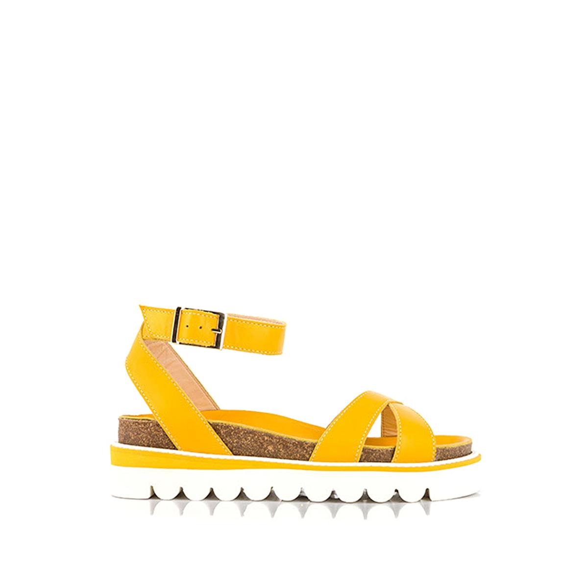 Босоножки кожаные BobineВерх : кожа   Подкладка : кожа   Стелька : кожа   Подошва : каучук   Высота каблука : 3 см   Форма каблука : плоский каблук   Мысок : открытый мысок   Застежка : пряжка<br><br>Цвет: желтый<br>Размер: 36.39