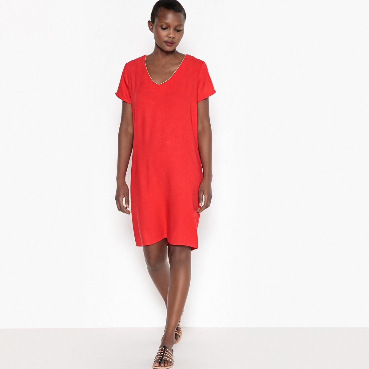 Платье прямое короткое с V-образным вырезом и короткими рукавамиОписание:Детали •  Форма : прямая •  Укороченная модель •  Короткие рукава    •   V-образный вырезСостав и уход •  100% вискоза •  Следуйте рекомендациям по уходу, указанным на этикетке изделия<br><br>Цвет: красный