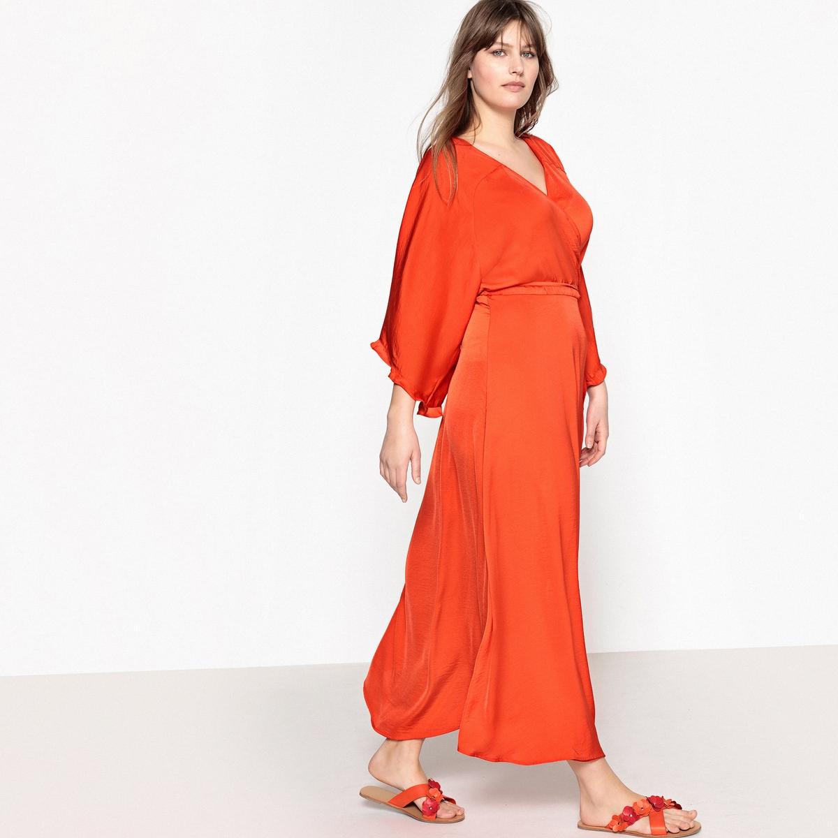 купить Платье длинное расклешенное в форме каш-кер с короткими рукавами по цене 3569.3 рублей