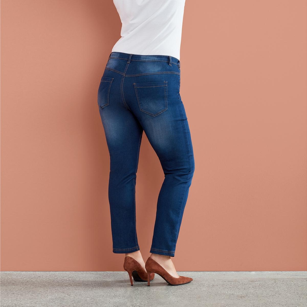 Джинсы узкие, длина 82 смДжинсы узкие ZIZZI, длина 82 см . 65% хлопка, 32% полиэстера, 3% эластана. Шлевки для ремня, стандартная посадка, 4 кармана. Стретчевый материал высокого качества гарантирует комфорт использования<br><br>Цвет: синий джинсовый<br>Размер: 46 (FR) - 52 (RUS)