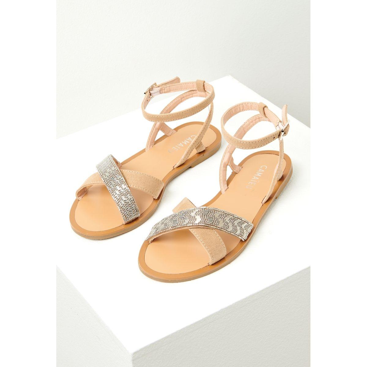 Sandales plates détail bijoux