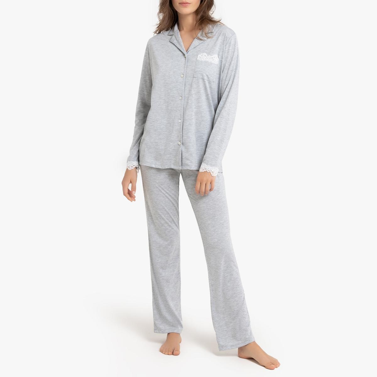 Pijama de manga larga con detalle de encaje