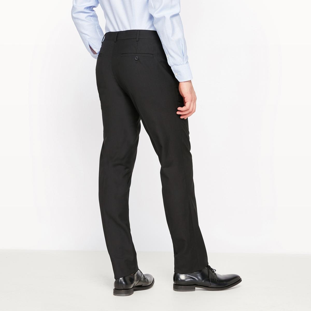 Брюки костюмные прямого покрояБрюки костюмные. Прямой покрой. 2 боковых кармана, 2 прорезных кармана сзади. Шлевки для ремня. Застёжка на молнию и пуговицу. Состав и описаниеМатериалы : 80% полиэстера, 20% вискозы Длина по внутр.шву : 85 см - Ширина по низу: 19,5 смМарка :      R ?ditionУходРекомендуется сухая чистка<br><br>Цвет: черный<br>Размер: 36 (FR) - 42 (RUS).50 (FR) - 56 (RUS).44 (FR) - 50 (RUS).38 (FR) - 44 (RUS)