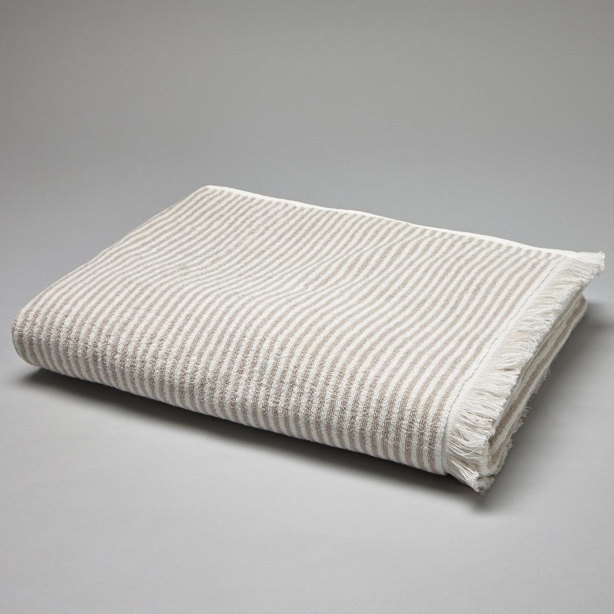 Полотенце большое в полоску, 500 г/м?Описание большого полотенца в полоску, 500 г/м?:в полоску, 100% хлопка (500 г/м?). Восхитительная мягкость и прочность. Замечательно сохраняет цвет при стирке при 60°.Машинная сушка.Размеры большого полотенца в полоску, 500 г/м? :100 x 150 см.<br><br>Цвет: серо-бежевый