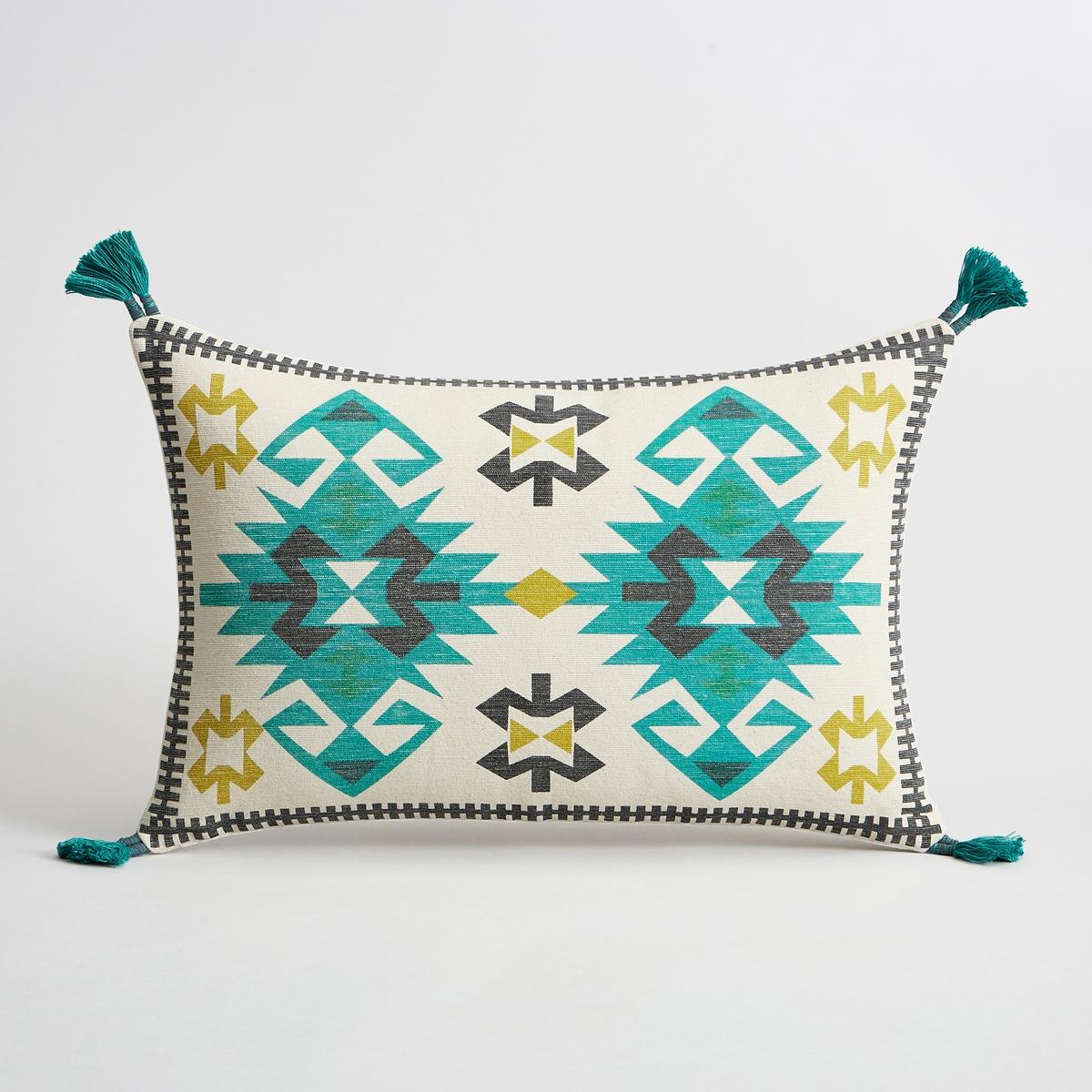 Наволочка на подушку-валик зеленого цвета BoissonieНаволочка на подушку-валик Boissonie. Рисунок в виде восточного ковра на лицевой стороне, однотонная оборотная сторона. 100% хлопок. Скрытая застежка на молнию. Размеры : 40 x 60 см.<br><br>Цвет: зеленый<br>Размер: 60 x 40  см
