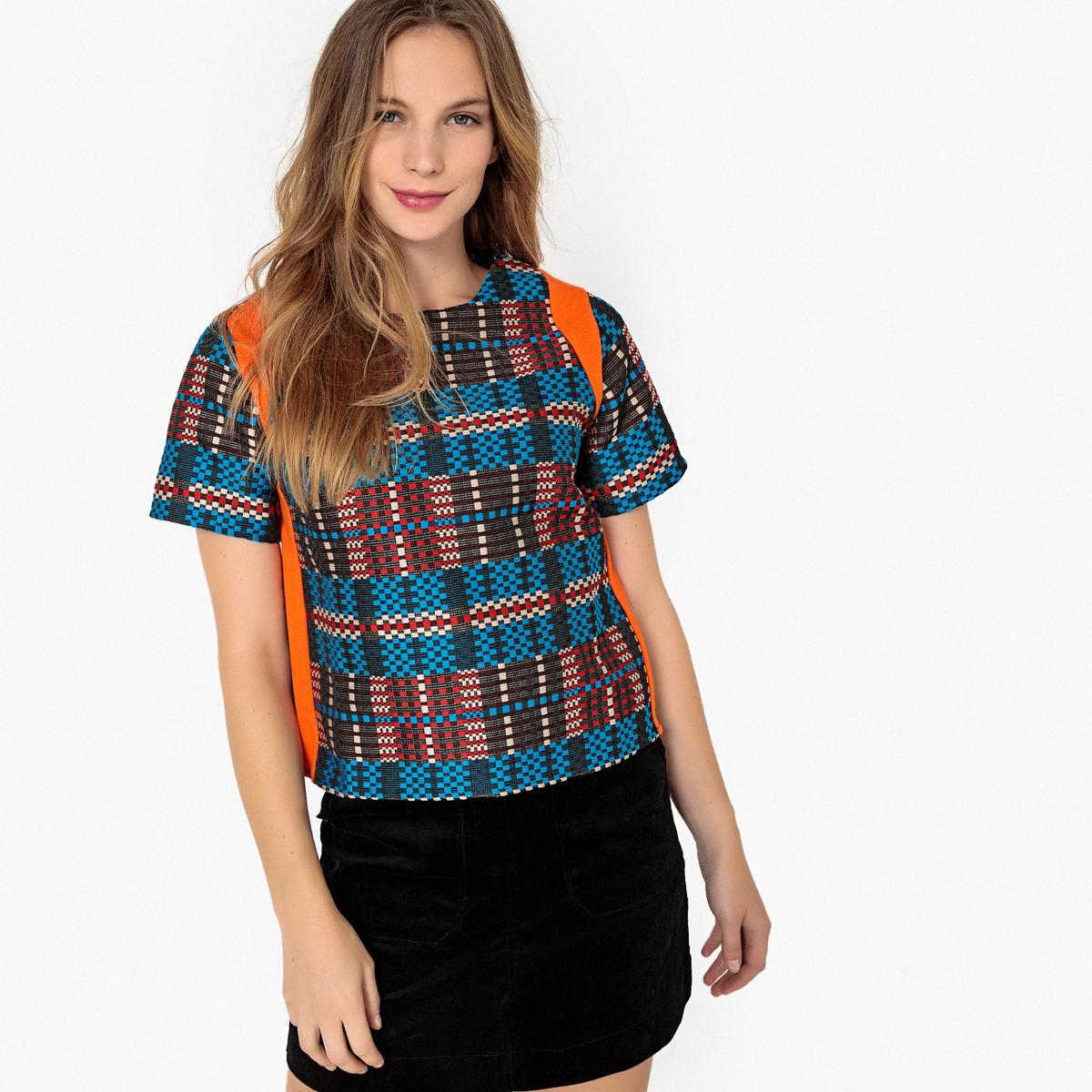Blusa jacquard multicolor, mangas curtas