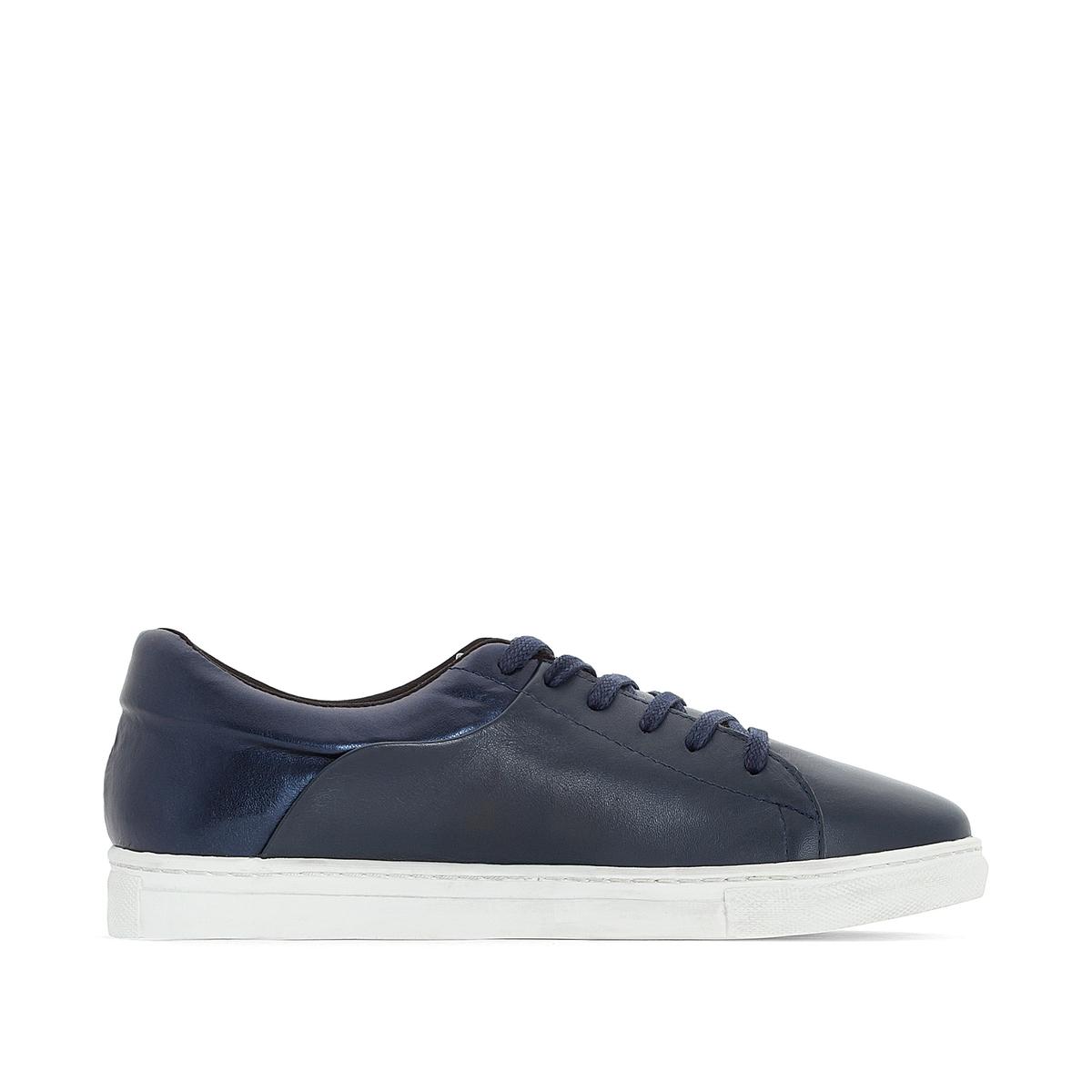Кеды кожаные из двух материаловДетали •  Спортивный стиль •  Плоский каблук •  Высота каблука : 0 см •  Застежка : шнуровка •  Гладкая отделкаСостав и уход •  Верх/Голенище<br><br>Цвет: синий