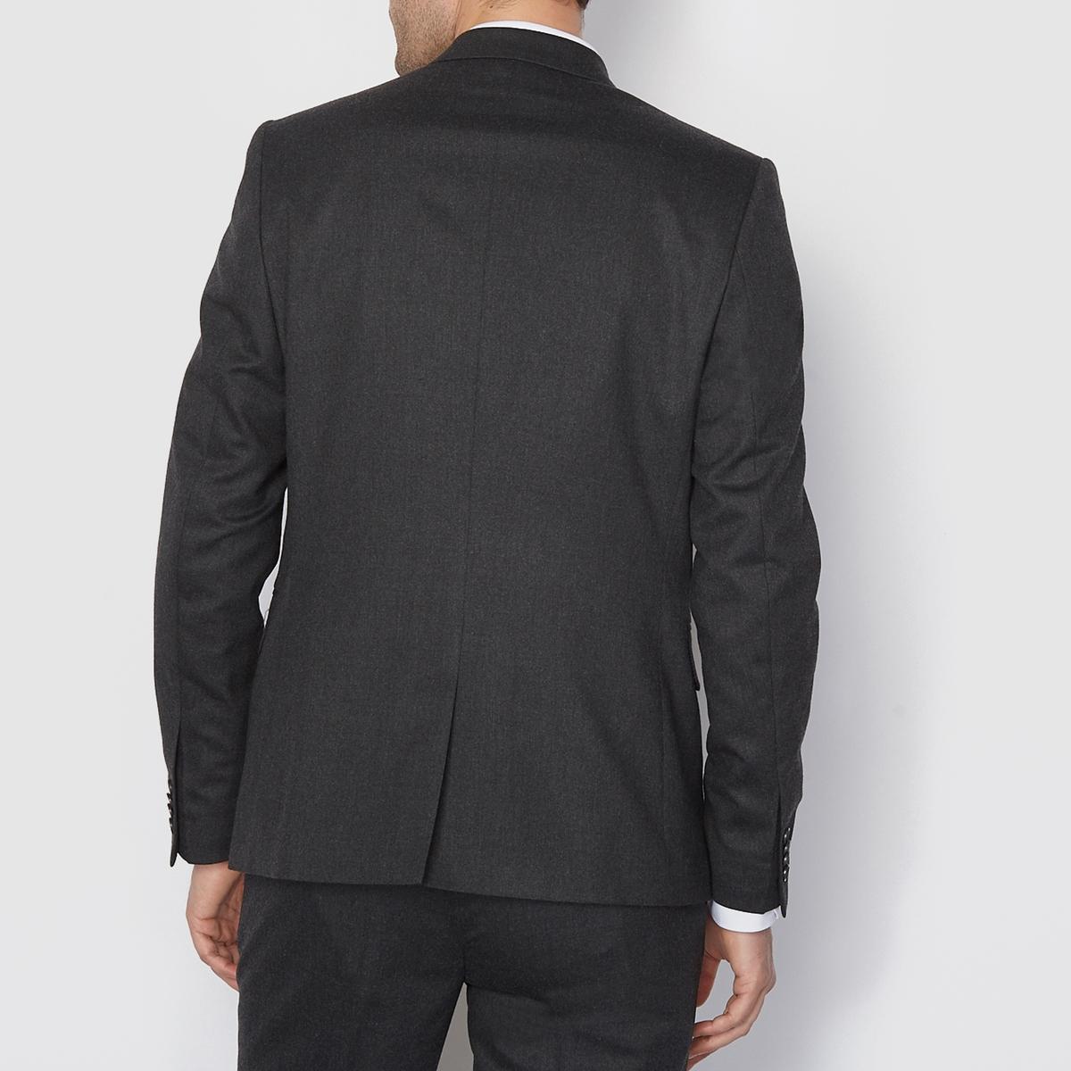 Костюмный пиджак прямого покрояПиджак костюмный. Прямой покрой. 2 кармана спереди. 2 внутренних кармана. Подкладка из полиэстера. Шлица сзади спинки .                                                                   Состав и описание :                                                      Материал : 60% полиэстера, 22% шерсти, 16% вискозы, 2% эластана Длина : 73 см .                                                      Марка : R essentiel.                                                                                                                   Уход :                                                    Сухая чистка.<br><br>Цвет: антрацит,темно-синий<br>Размер: 54.44.56.48