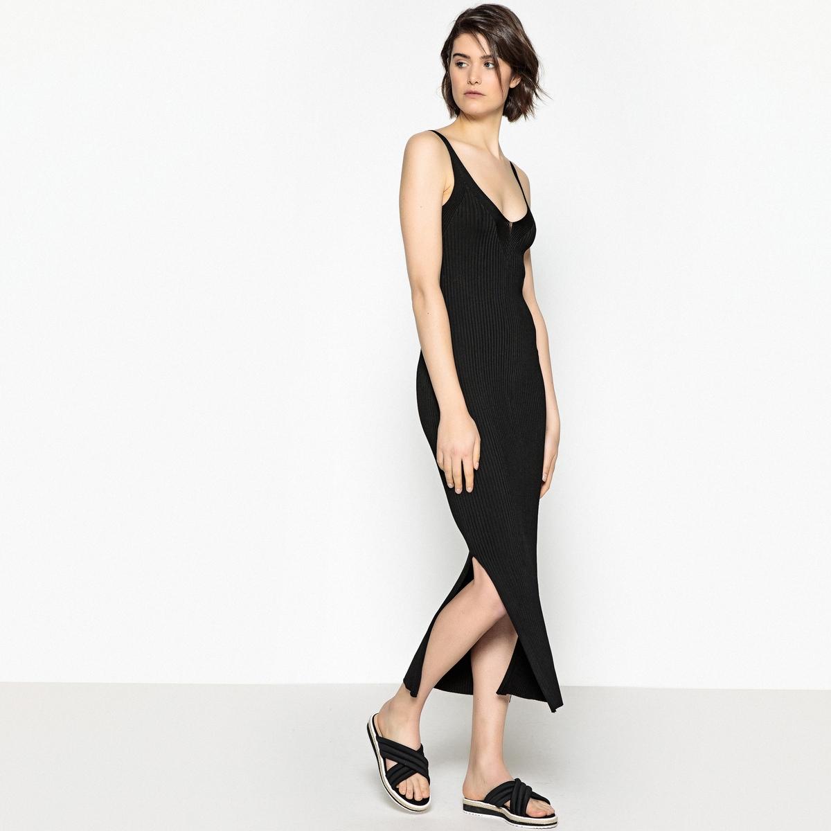 Платье трикотажное средней длины с разрезом сбоку