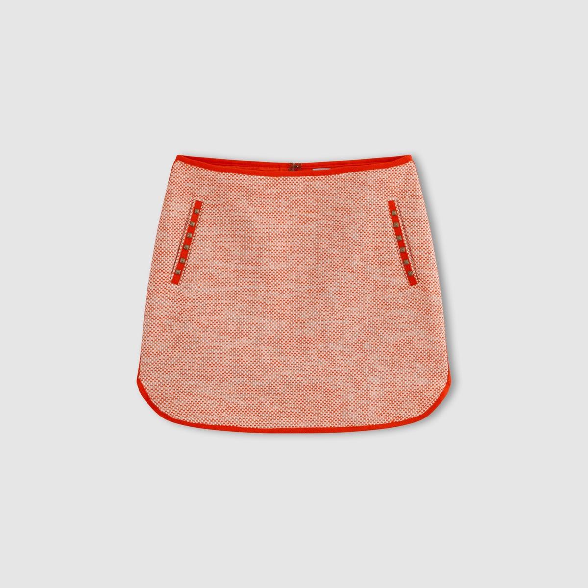 Юбка короткаяКороткая юбка JUBILE от KARL MARC JOHN. Контрастная строчка. 2 кармана спереди.Состав и деталиМатериал: 65% хлопка, 25% акрила, 10% полиэстераМарка: KARL MARC JOHN<br><br>Цвет: красный<br>Размер: M
