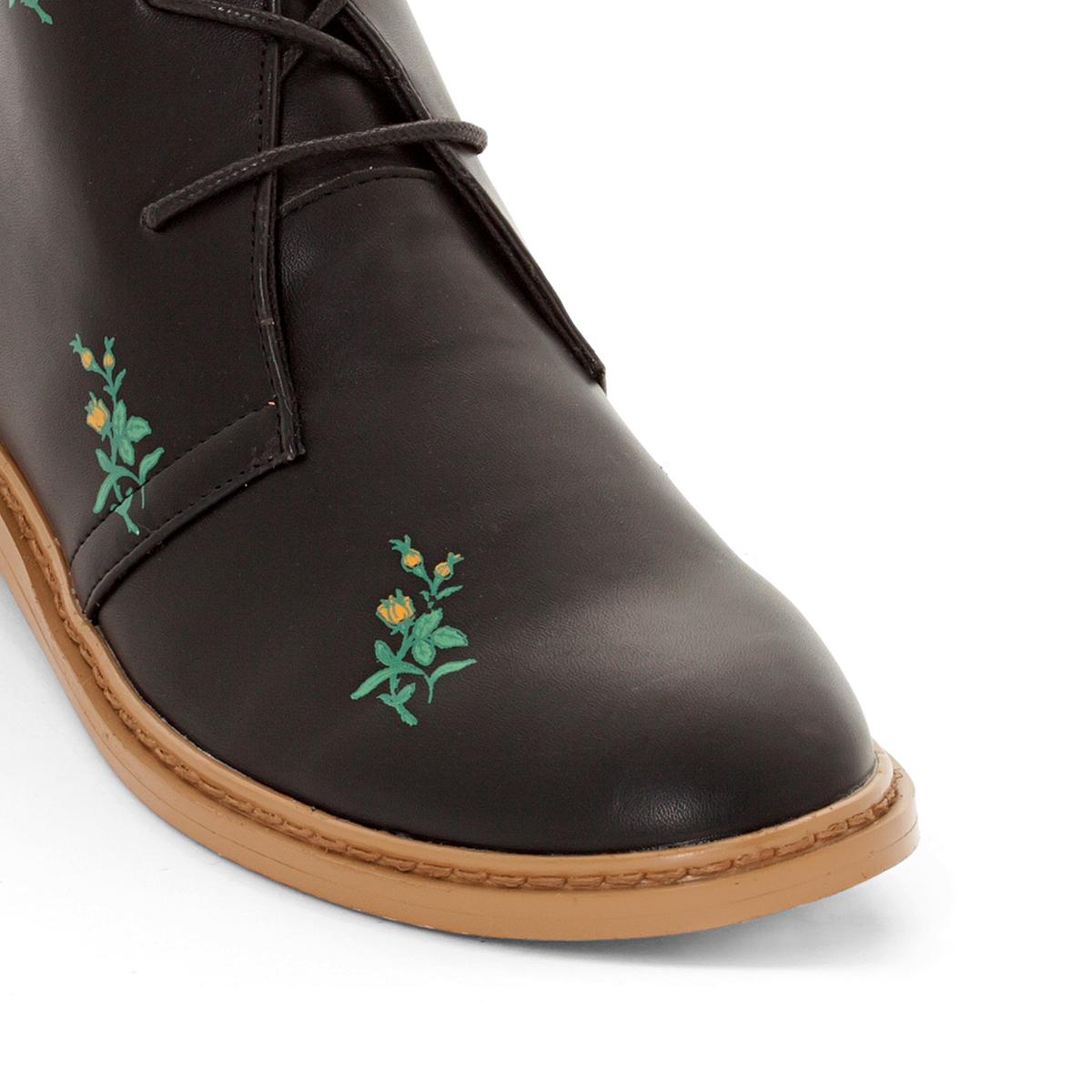 Берцы пустынные на шнуровкеВерх/Голенище : синтетика      Подкладка : текстиль      Стелька : синтетика      Подошва : эластомер      Высота каблука : плоский      Форма каблука : плоский каблук      Мысок : закругленный мысок     Застежка : шнуровка<br><br>Цвет: черный<br>Размер: 42.40.39