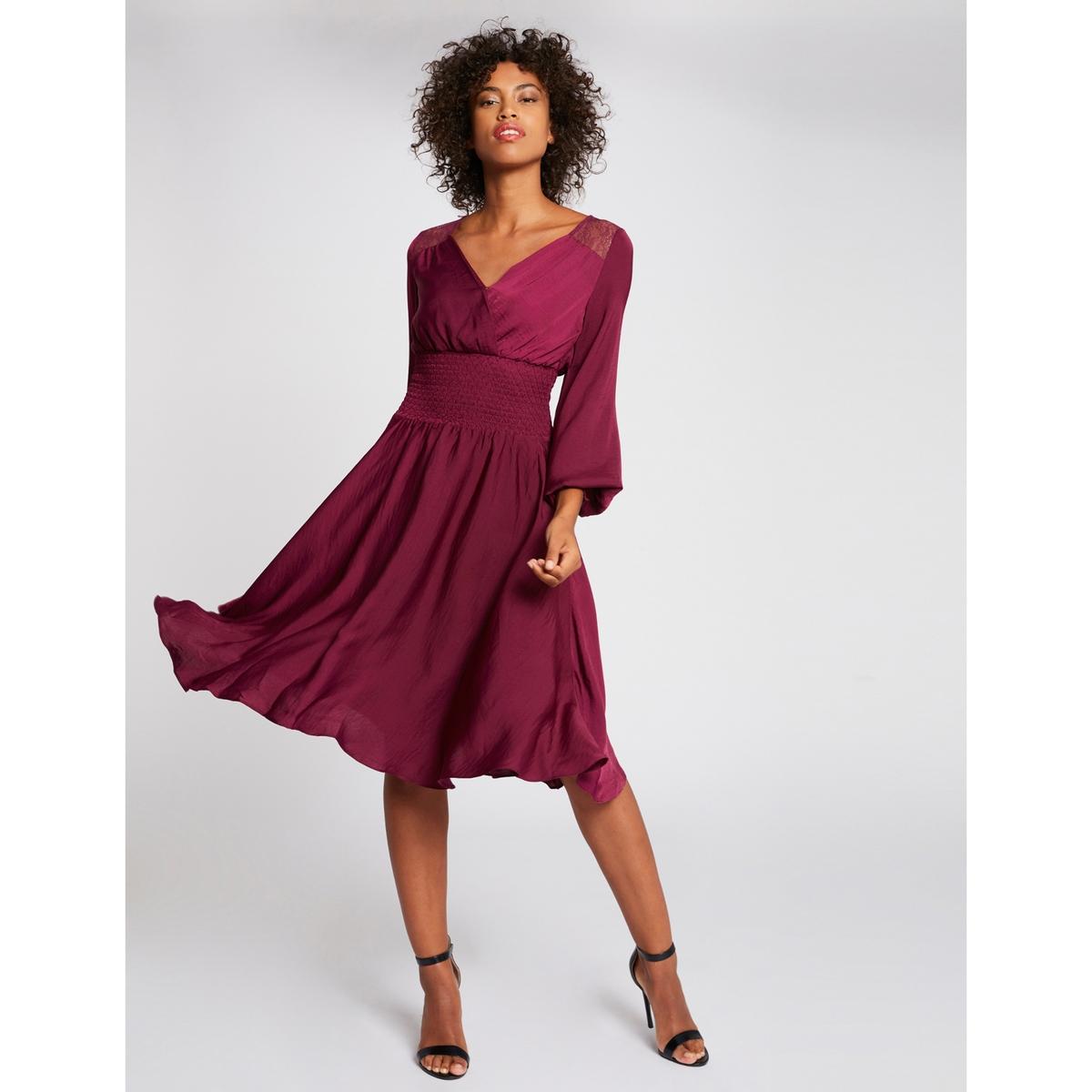 цена Платье La Redoute Расклешенное с V-образным вырезом и вставками из кружева 38 (FR) - 44 (RUS) красный онлайн в 2017 году