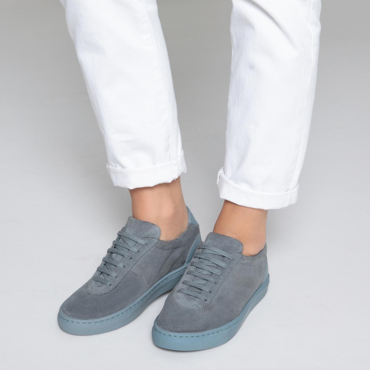 Кеды кожаные из двух материаловДетали  •  Спортивный стиль •  Плоский каблук •  Высота каблука : 0 см •  Застежка : шнуровка •  Гладкая отделкаСостав и уход  •  Верх 100% кожа •  Подкладка 100% текстиль •  Стелька 100% текстиль •  Подошва 100% эластомер<br><br>Цвет: сине-серый,Темно-телесный<br>Размер: 39.38.40.38.37