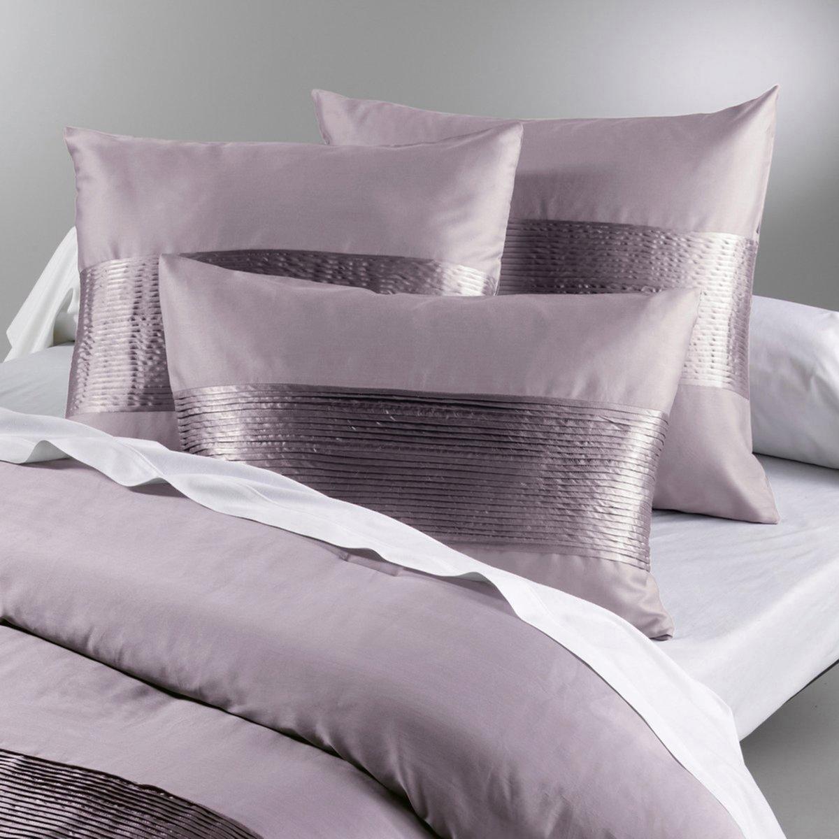 Чехол на подушку из хлопкового сатина, AEMIХарактеристики чехла на подушку :- Мягкий и шелковистый хлопковый сатин, украшенный складками из однотонного полиэстера .- Застежка на скрытую молнию.- Можно стирать при температуре 30° .<br><br>Цвет: бежевый,белый,каштановый,серый,фиалковый<br>Размер: 65 x 65  см.65 x 65  см.50 x 70  см.65 x 65  см.50 x 70  см
