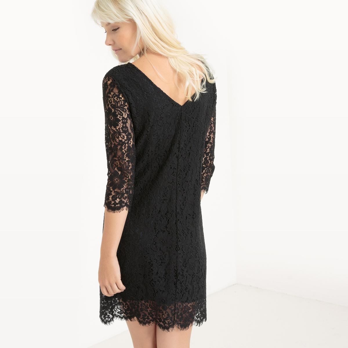 Платье из кружева с декольте сзади