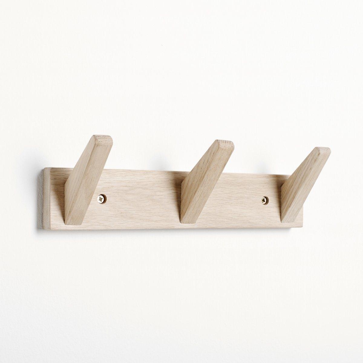 Вешалка с 3 крючкамиОписание вешалки с 3 крючками:Вешалка крепится к стене.Вешалка требует самостоятельного монтажа.Характеристики вешалки с 3 крючками:Выполнена из беленого дуба.Металлическое основание.Размеры вешалки с 3 крючками:Длина: 31 см.Глубина: 9 см.Высота: 6 см.Размеры и вес посылки:1 посылкаД. 38 x В. 10 x Г. 3,5 см, 0,5 кг.<br><br>Цвет: бежевый экрю<br>Размер: единый размер