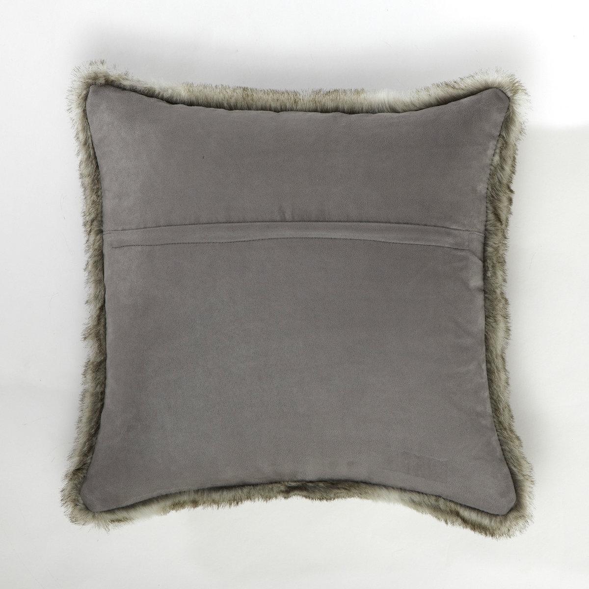 Чехол для подушкиОдна сторона из искусственного меха, 80% акрила, 20% полиэстера. Другая сторона из искусственной замши, 100% полиэстера. Стирка при 40°. Застежка на молнию. 40 х 40 см.<br><br>Цвет: белый,темно-серый<br>Размер: 40 x 40  см