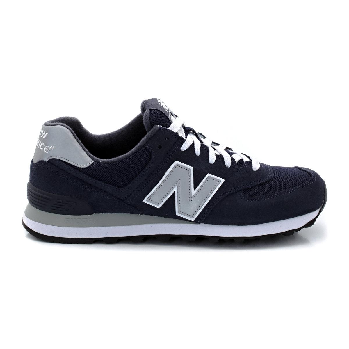 Кроссовки низкие New Balance M574NNЗнаменитая модель кроссовок 574 подарит свободу и комфорт движения : они идеальны для прогулок по городу  .<br><br>Цвет: темно-синий<br>Размер: 39 1/2