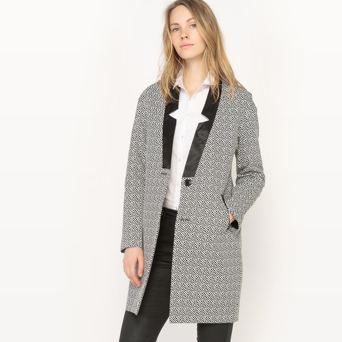 Пальто средней длины  рисунком