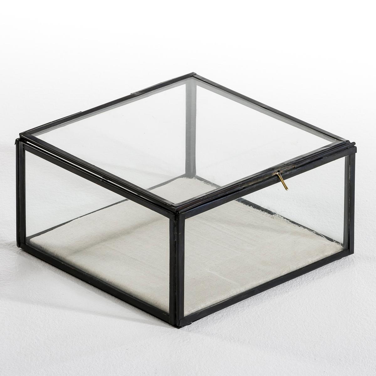 Коробка-витрина Misia, маленькая модельХарактеристики: Из стекла и металла Размеры :Д. 20 x В. 10,5 x Г. 20 см.<br><br>Цвет: латунь,металл,черный