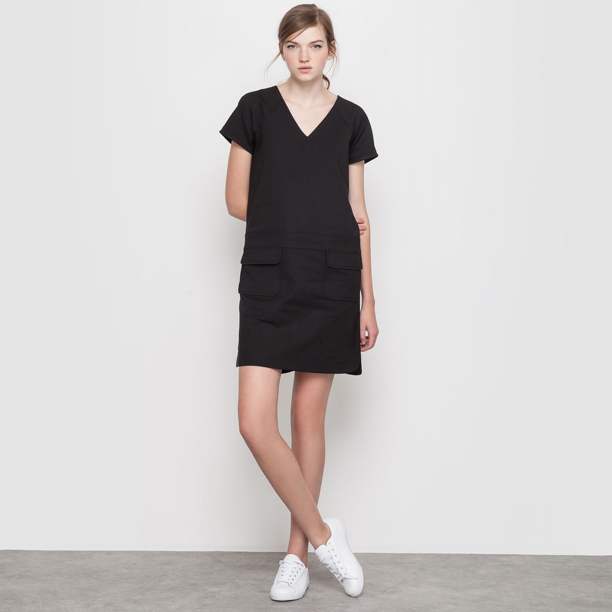 Платье-трапецияПлатье покроя трапеция. Очаровательное и удобное при носке  . Короткие рукава реглан, V-образный вырез, вставка на уровне пояса, 2 накладных кармана с клапанами спереди  . Низ, как у рубашки, закругленные по бокам вырезы, спинка немного длиннее . Состав и описание :Материал : трикотаж милано 45% полиэстера, 51% хлопка, 4% эластана Длина : 92 смМарка : Mademoiselle R УходМашинная стирка при 30°<br><br>Цвет: черный<br>Размер: 34 (FR) - 40 (RUS)