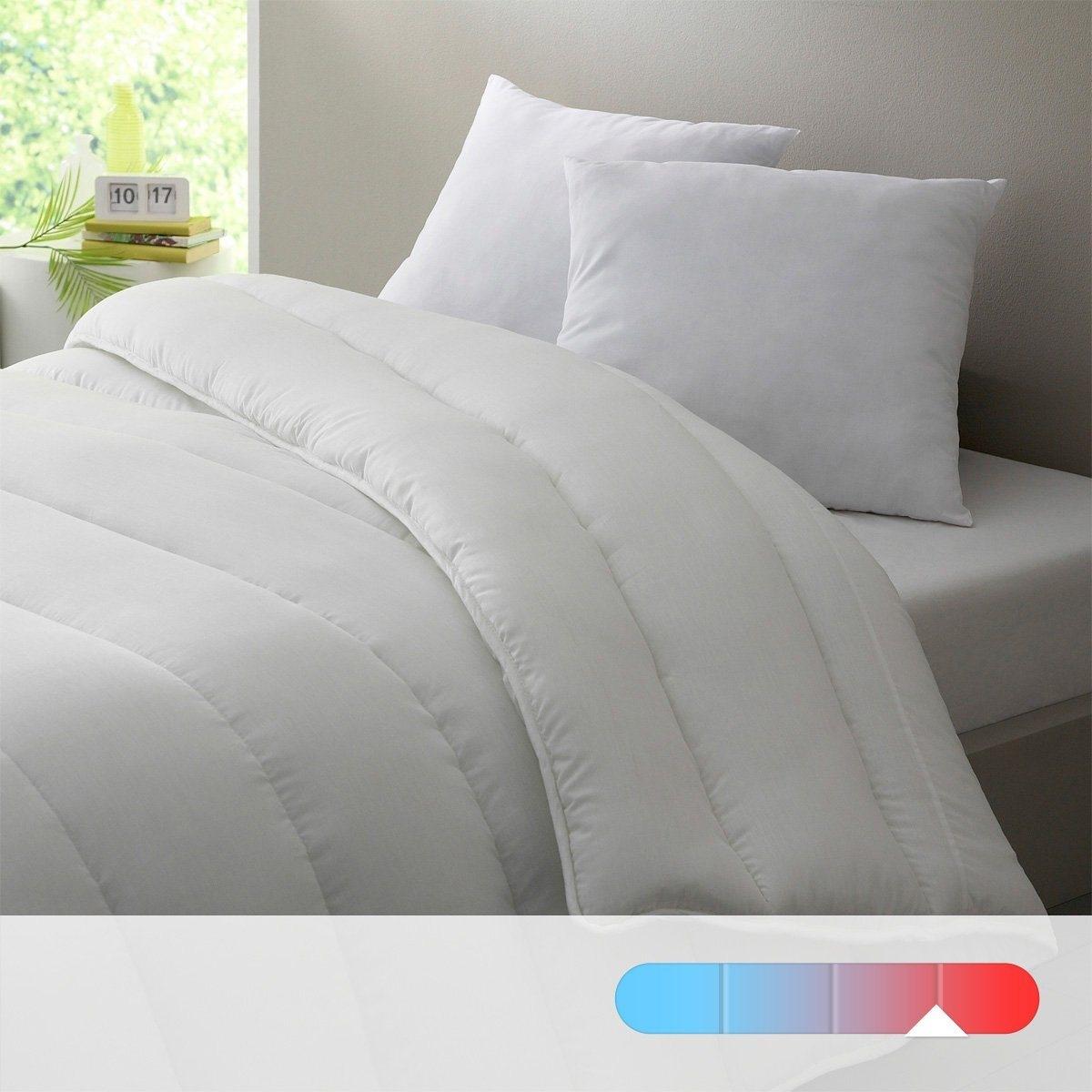 Oдеяло LA REDOUTE CREATION, 500  г/м?Одеяло. 100% полиэстера, полые силиконизированные волокна для большего комфорта. Прекрасное соотношение цены и качества. Плотность: 500 г/м?. Теплое одеяло, идеально при температуре воздуха до 15-16°. Наполнитель: 100% полиэстер, полые силиконизированные волокна. Чехол: 100% полиэстер. Отделка кантом. Простежка по косой. Стирка при 30°.<br><br>Цвет: белый<br>Размер: 240 x 220  см