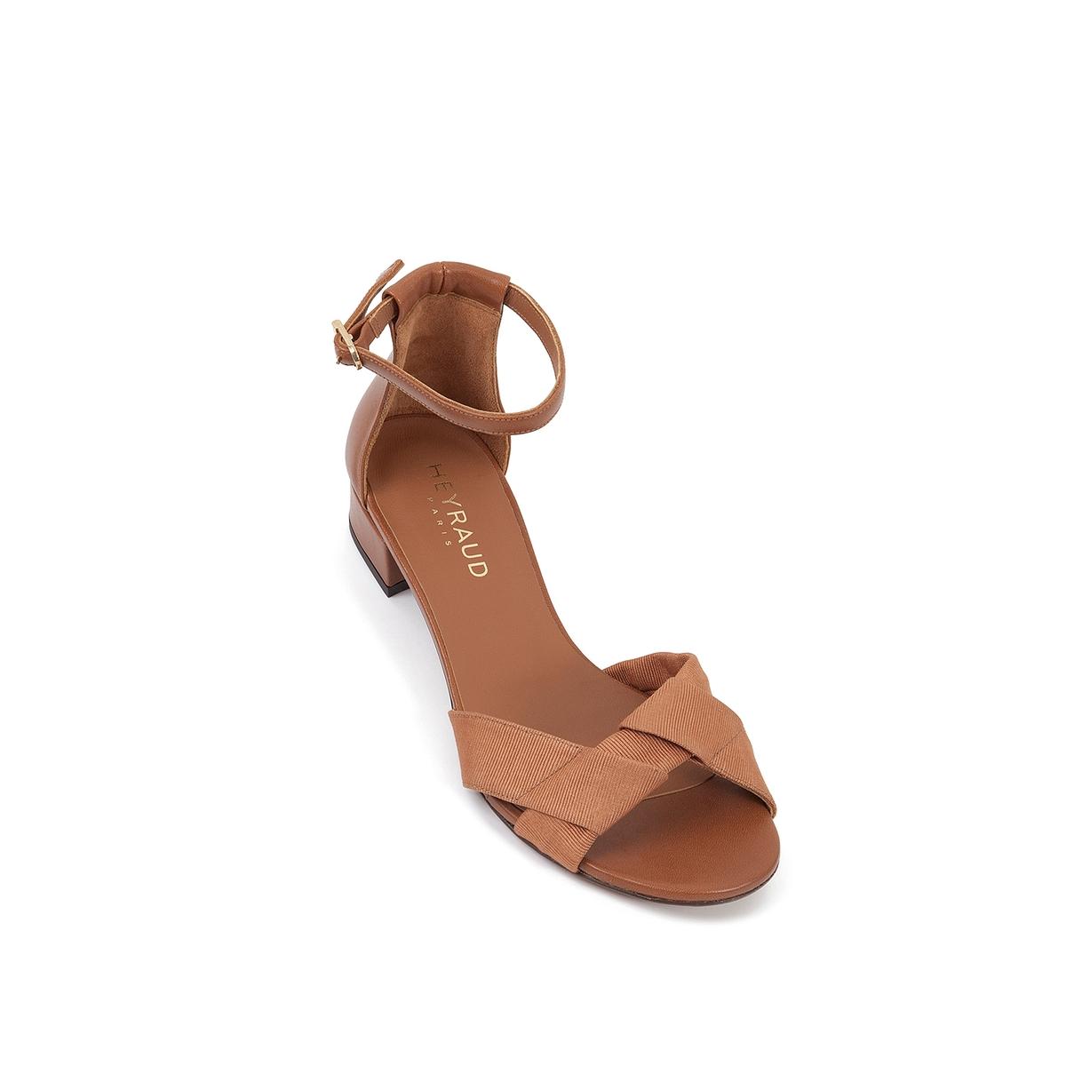 Босоножки кожаные EleanaВерх : кожа   Подкладка : кожа   Стелька : кожа   Подошва : кожа   Высота каблука : 2 см   Форма каблука : плоский каблук   Мысок : закругленный мысок   Застежка : ремешок<br><br>Цвет: коньячный<br>Размер: 40.36