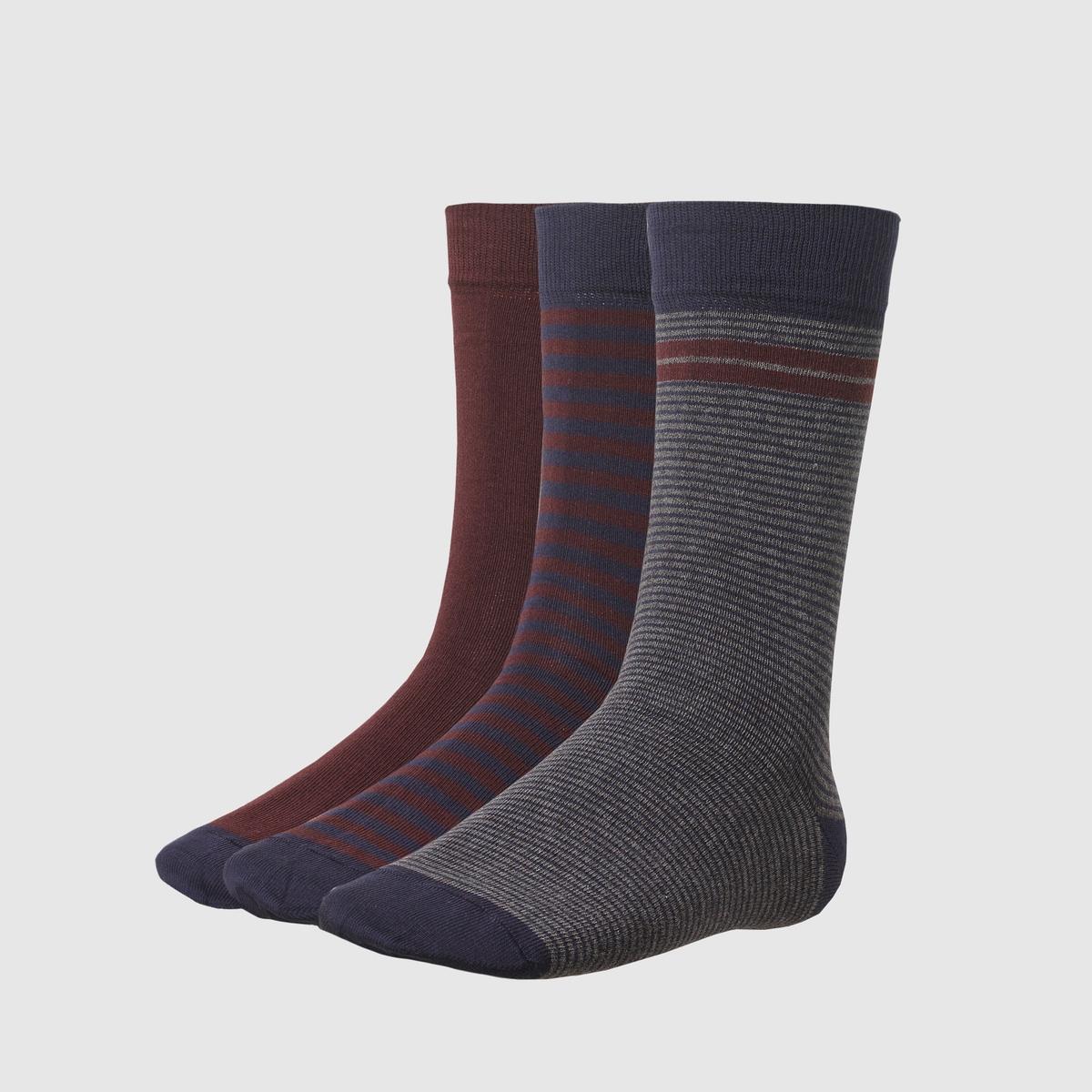 Комплект из 3 пар носковСостав и описание:     Материал : 80% хлопка, 17% полиамида, 3% эластана<br><br>Цвет: темно-синий/бордовый<br>Размер: 39/42