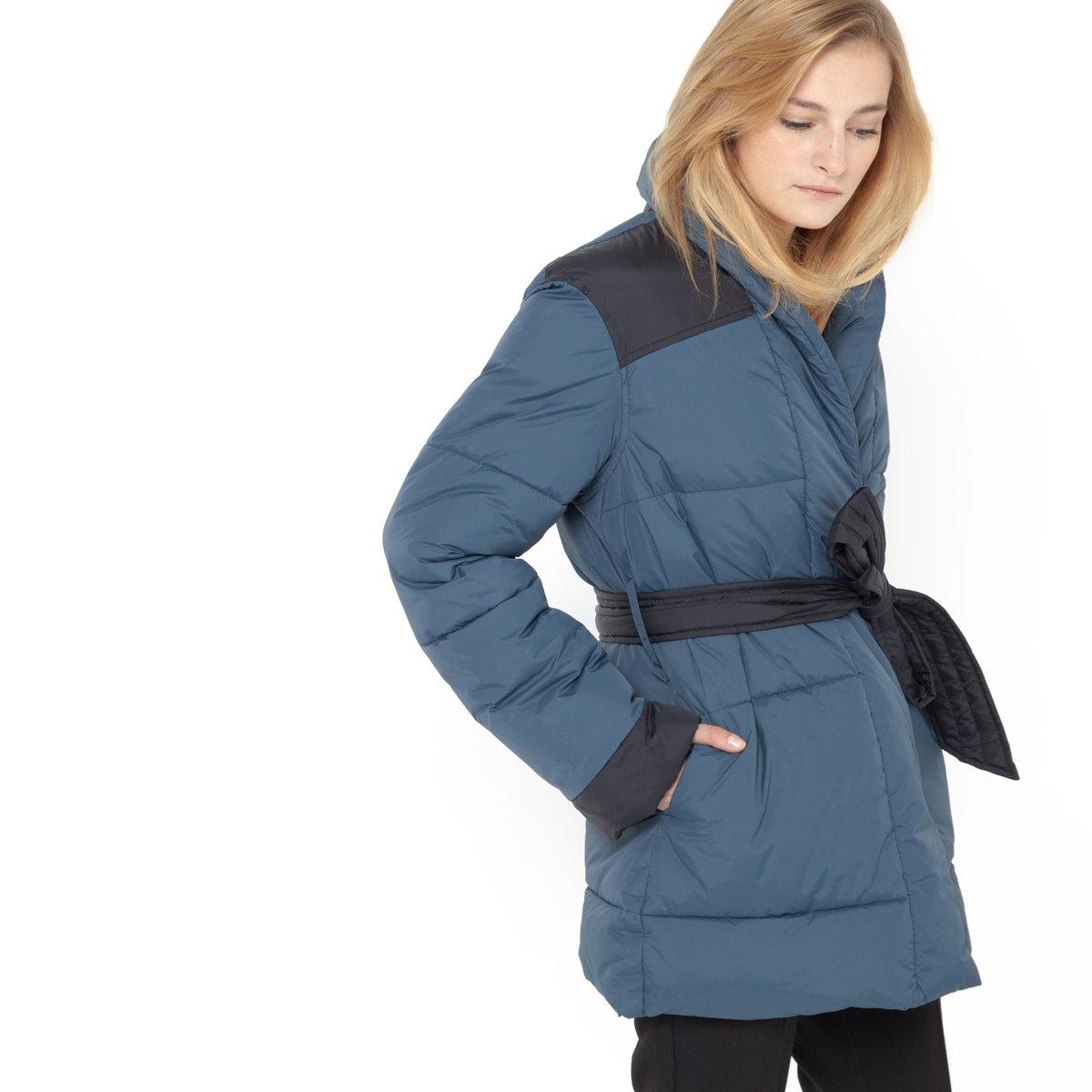 Куртка стеганая длиннаяДлинная стеганая куртка с поясом. Фасон кимоно. 2 кармана. Застежка на 1 кнопку. 100% полиамида, подкладка: 100% полиэстера. Длина 80 см.<br><br>Цвет: темно-синий<br>Размер: 38 (FR) - 44 (RUS)