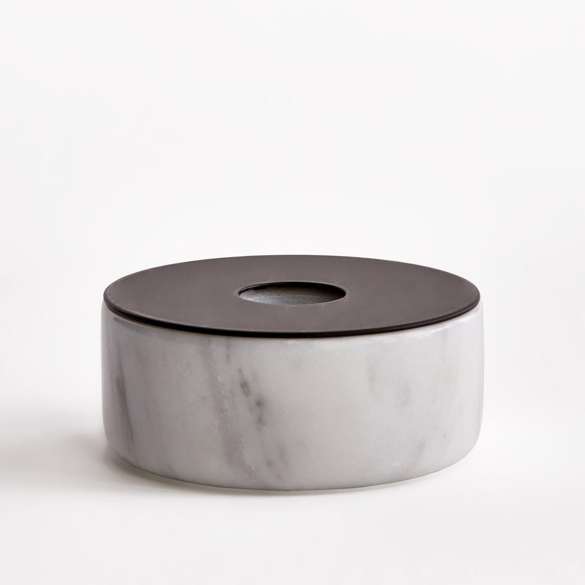 Подсвечник мраморный, размер 1, В.3,5 см, MalerbaПодсвечник Malerba. Из мрамора и металла черного цвета. Для свечи диаметром 2 см. Размеры  : диаметр 7,5 x высота 3,5 см.<br><br>Цвет: мраморный
