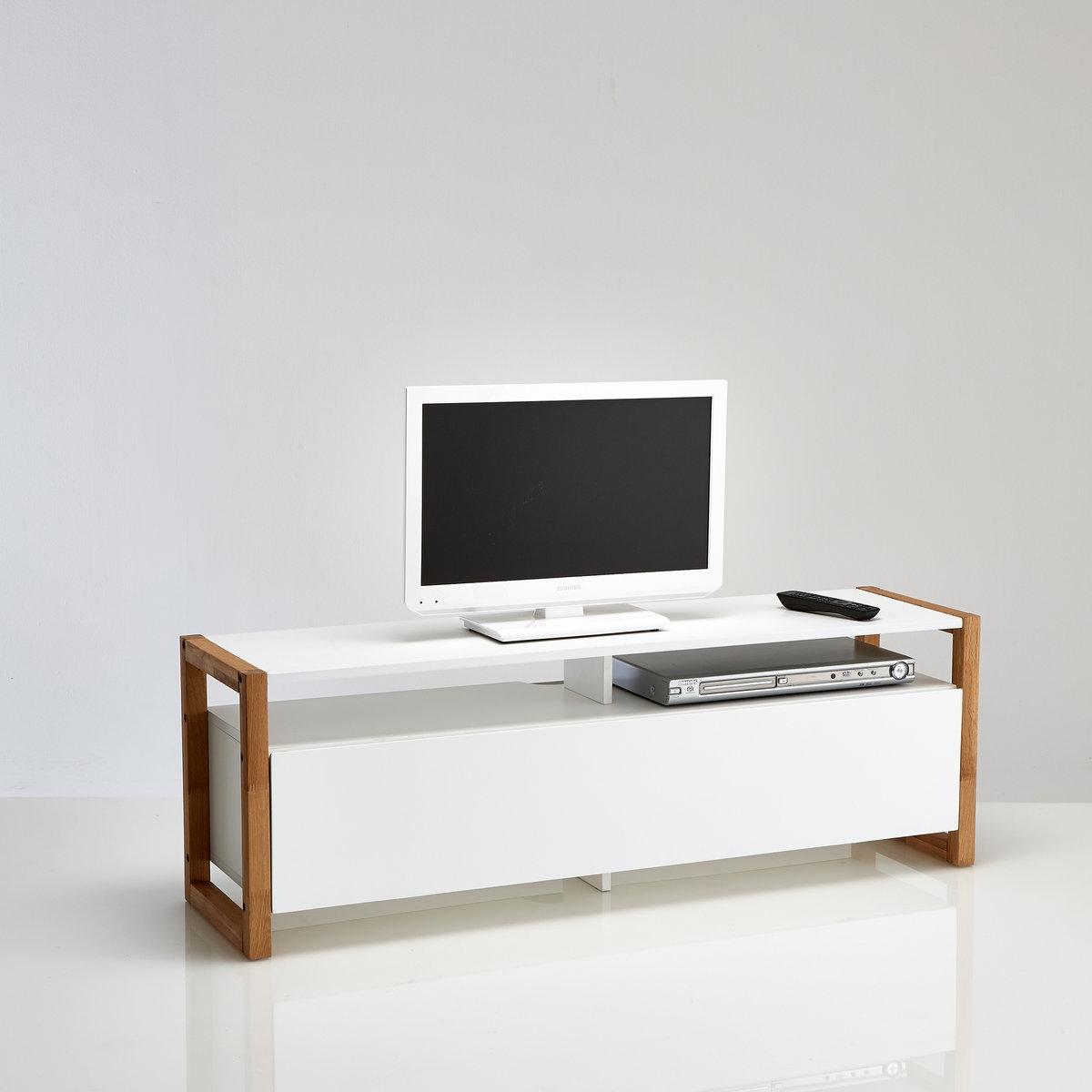 ТВ-тумба с откидной крышкой, CompoТВ-тумба с откидной крышкой, Compo. Скандинавский стиль, массив дуба и МДФ белого цвета современной ТВ-тумбы Compo сочетаются с другой мебелью коллекции.Описание ТВ-тумбы с откидной крышкой, Compo :1 откидная крышка, открывающая 2 ниши2 открытых нишиМаксимальный вес телевизора : 50 кгДля телевизоров не более 50 (127 см)Характеристики ТВ-тумбы с откидной крышкой, Compo :Ящик и дверца из МДФ с покрытием нитроцеллюлозным лакомМассив дубаОткидная крышка с металлическими петлямиОтверстия для кабелейОткройте для себя другие модели коллекции Compo на сайте laredoute.ru.Размеры ТВ-тумбы с откидной крышкой, Compo :Ширина : 120 смВысота : 40 смГлубина : 33,6 смРазмеры маленьких ниш : Шир. 55 x Выс. 9,9 x Гл. 31,3 смРазмеры больших ниш : Шир. 55 x Выс. 219,4 x Гл. 31,3 смРазмер и вес с упаковкой :1 упаковкаШир. 124 x Выс. 14,5 x Гл. 42,5 см23,7 кгДоставка :ТВ-тумба с откидной крышкой Compo продается в разобранном виде. Внимание ! Убедитесь, что посылку возможно доставить на дом, учитывая ее габариты.<br><br>Цвет: белый