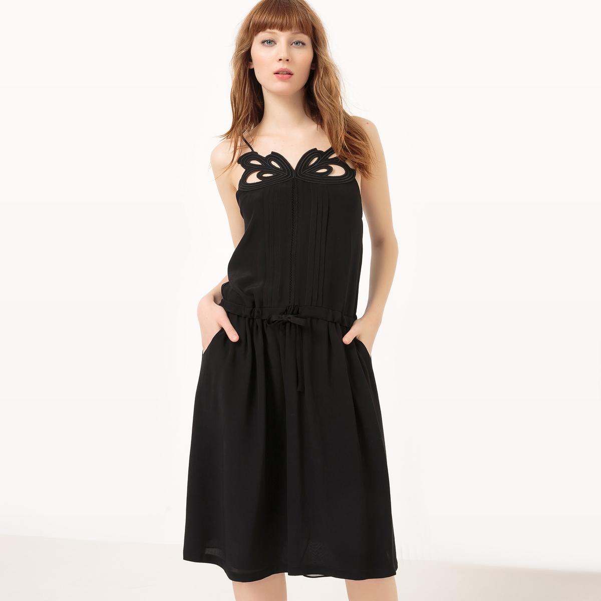 Фото Платье на тонких бретелях, кружевное спереди. Купить с доставкой