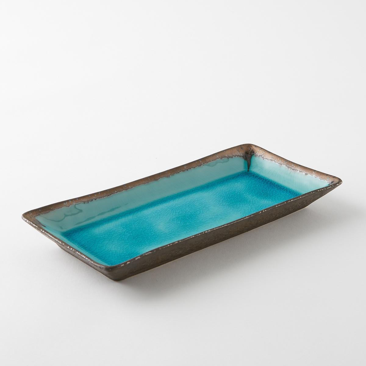 Блюдо из глазурованной керамики, AltadillПрямоугольное блюдо Altadill. Керамическое блюдо с бирюзовой эмалью и металлизированной отделкой под бронзу. Ручная работа, каждое блюдо уникально. Размеры : Дл30,5 x Выс3 x Гл14 см .Не подходит для мытья в посудомоечной машине.<br><br>Цвет: голубой бирюзовый