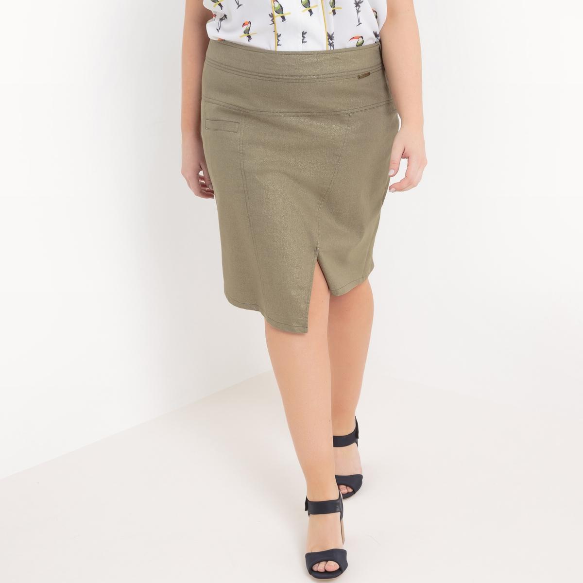 ЮбкаКороткая юбка Mellem, длина до колен, из саржи стретч с радужным отливом. Женственная и комфортная. Карман спереди. Небольшой разрез спереди. 50% хлопка, 45% полиэстера, 5% эластана<br><br>Цвет: хаки<br>Размер: 46 (FR) - 52 (RUS)