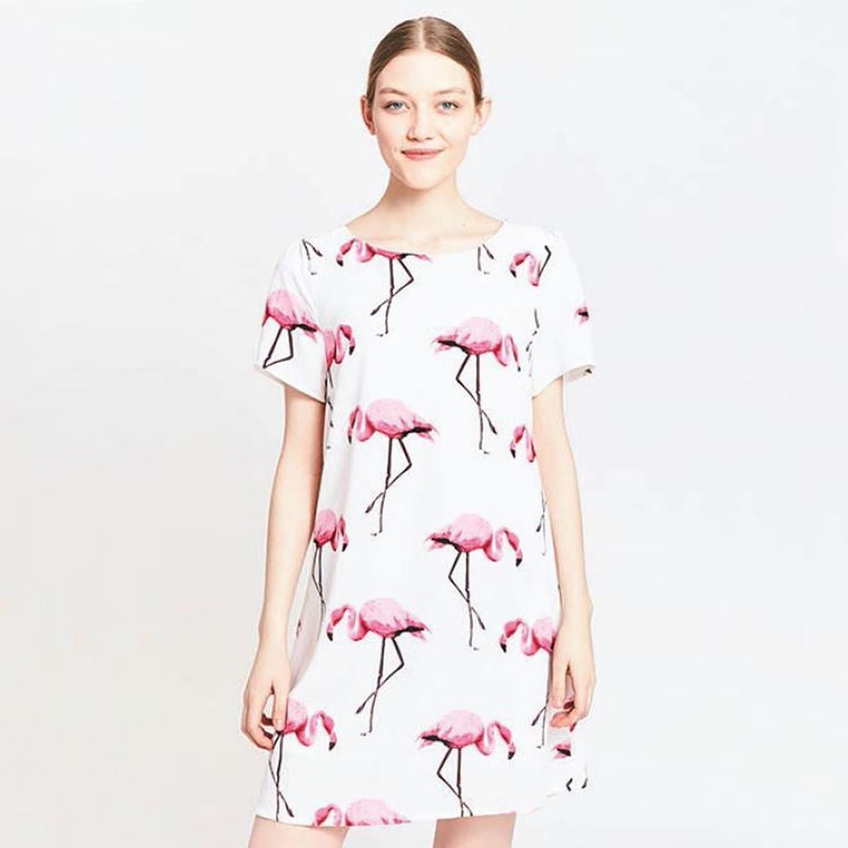 Платье с рисунком красный фламингоМатериал : 100% полиэстер  Длина рукава : короткие рукава  Форма воротника : круглый вырез Покрой платья : платье прямого покроя       Рисунок : принт   Длина платья : короткое<br><br>Цвет: рисунок белый/розовый