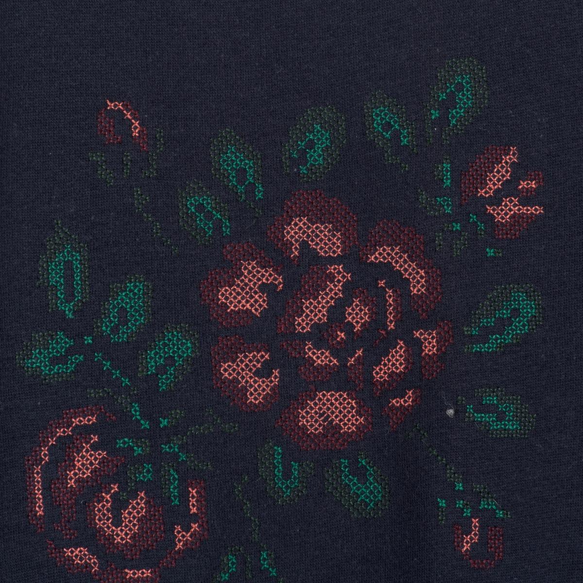 Пуловер с вырезом трапеция и вышивкой в виде цветов, 10-16 летПуловер с длинными рукавами из мольтона, вырез в виде трапеции. Круглый вырез. Рисунок спереди в виде цветов, вышитый крестиком.                                                                           Состав и описание :           Материал  80% хлопка, 20% полиэстера          Марка     R pop                       Уход :          Машинная стирка при 30 °C с вещами схожих цветов.          Стирка и сушка с изнаночной стороны.          Машинная сушка в обычном режиме.          Гладить при умеренной температуре.<br><br>Цвет: синий морской<br>Размер: 16 лет