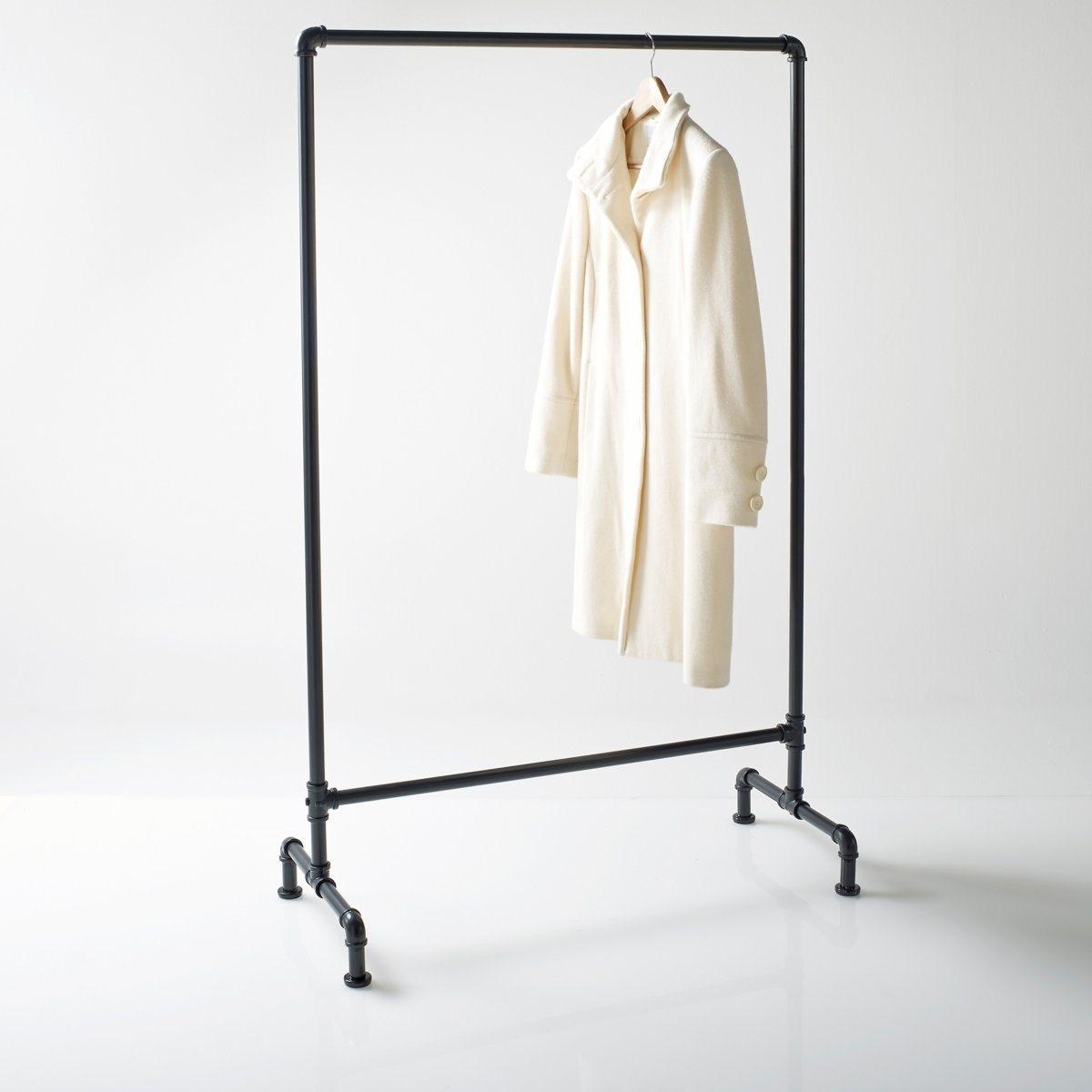 Вешалка в стиле хай-тэкХарактеристики вешалки:1 перекладина.Металлические подвесы.Размеры вешкалки:Ширина: 92,5 смВысота: 151,2 см Глубина: 42,5 см.<br><br>Цвет: белый,латунь,черный<br>Размер: единый размер