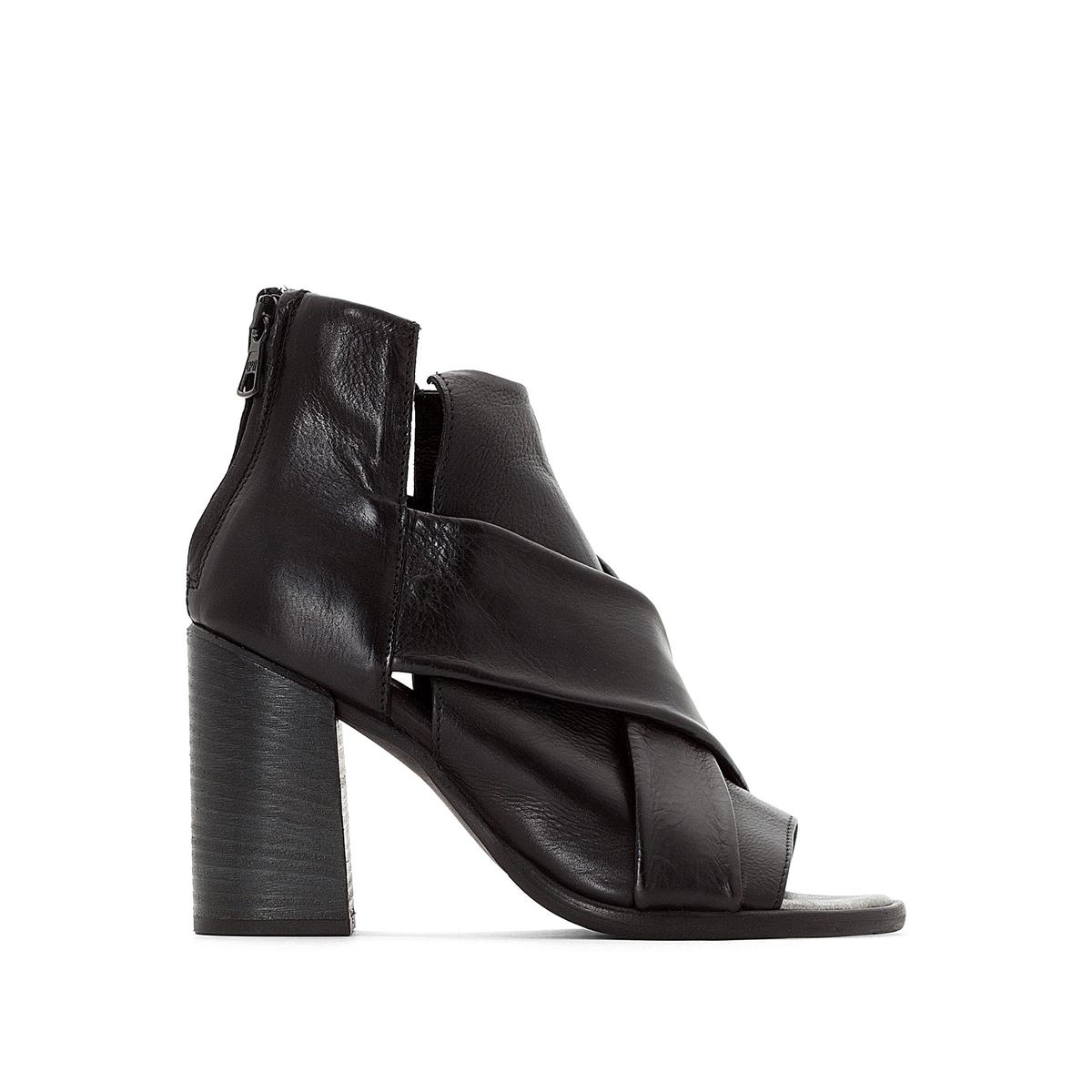 Сандалии кожаные с узором на квадратных каблуках, Santorini сандалии mjus 840010 101 6002 nero