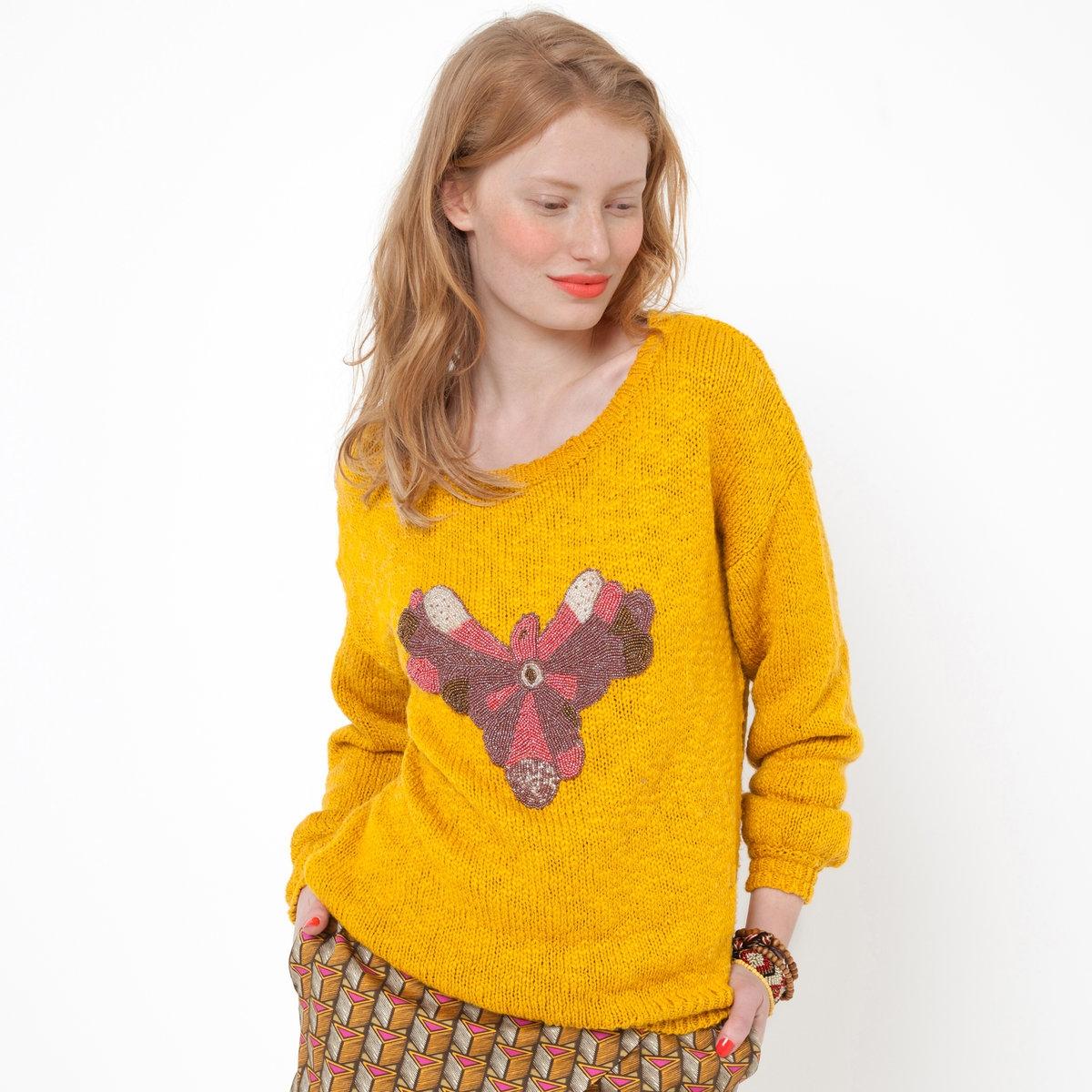 Пуловер с длинными рукавамиПуловер. 84% хлопка, 16% акрила. Длинные рукава. Украшение с бусинами. Длина 62 см.<br><br>Цвет: медовый