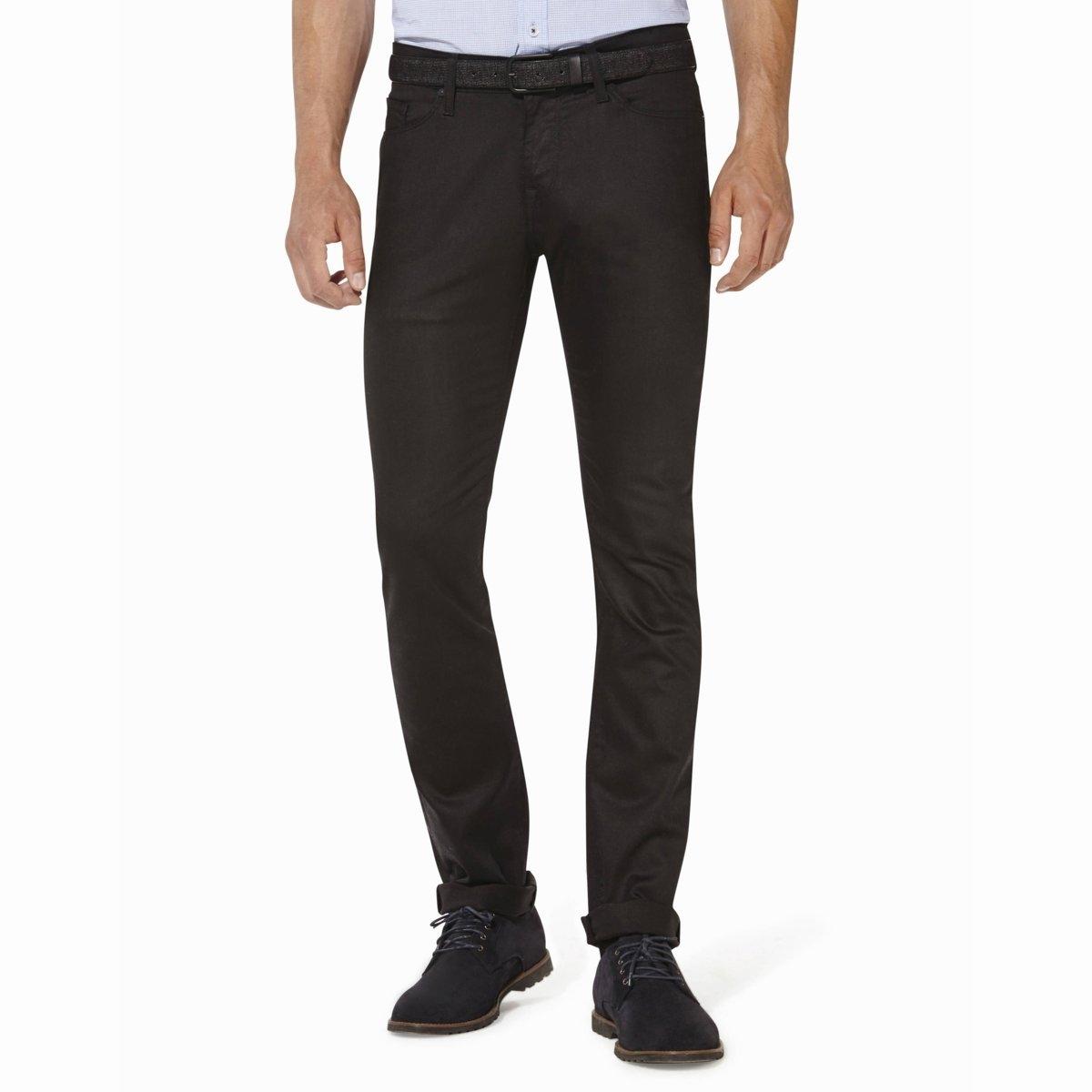 Джинсы CODART 25, зауженный покройДжинсы CODART 25 - CELIO. Узкий покрой. 2 кармана и 1 часовой кармашек спереди, 2 накладных кармана сзади. Шлевки для пояса. Застежка на молнию. Джинсы стрейчевые, 69% хлопка, 29% полиэстера, 2% эластана.<br><br>Цвет: черный<br>Размер: 42 длина 34 (US)