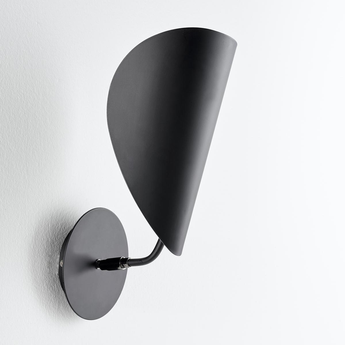 Бра FunambuleБра Funambule. Тонкая и воздушная форма, вдохновленная движущимися объектами и природой, поворачивающийся абажур в форме листа. Бра отлично подходит для любой комнаты.Характеристики :Из металла с матовым эпоксидным покрытием- Патрон E14 для компактной флуоресцентной лампы макс. 8 Вт (продается отдельно)- Совместим с лампами класса энергопотребления A Размеры :- Ш.30 x В.30 x Г.17 см.<br><br>Цвет: черный
