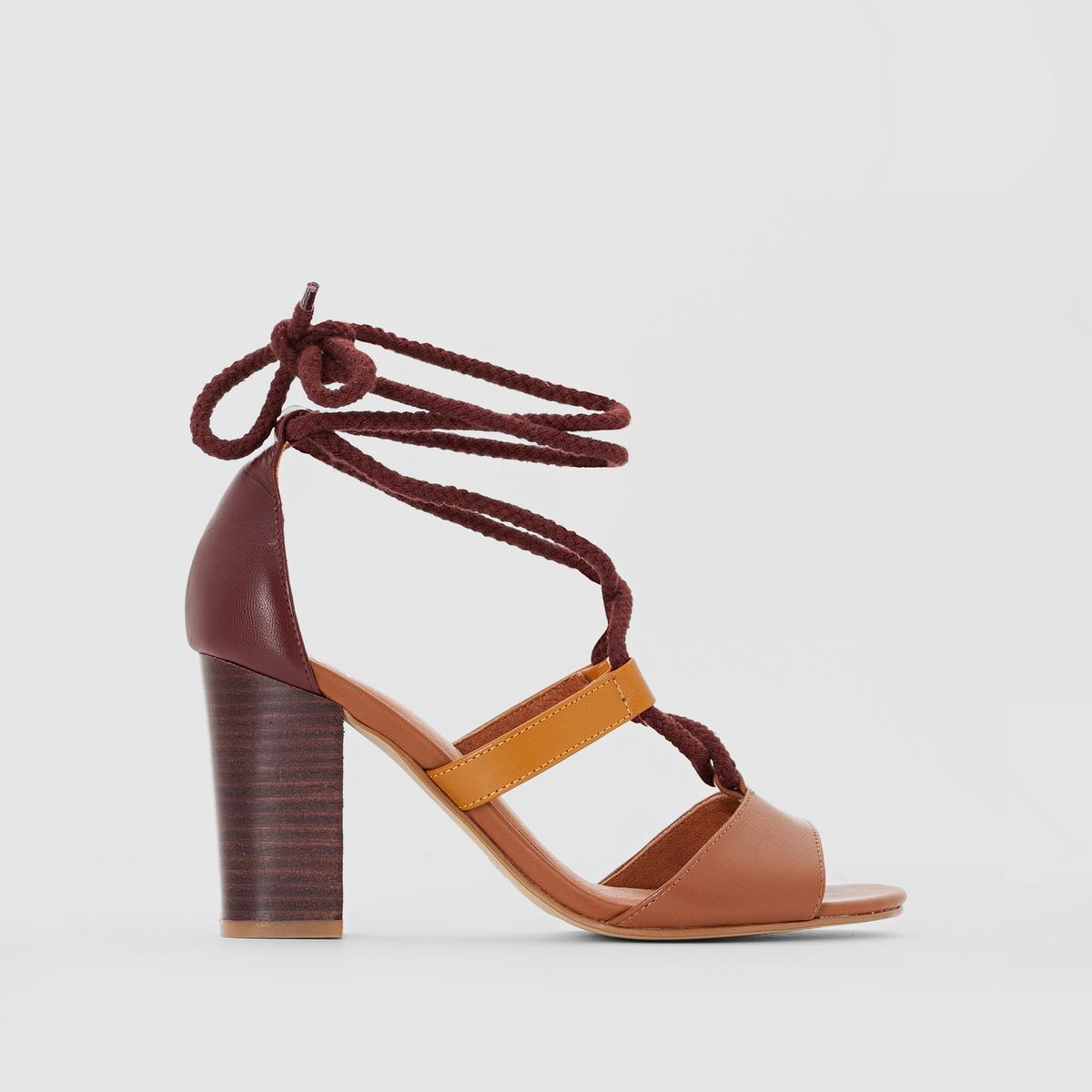 Sandalias de piel con cordón y tacón alto