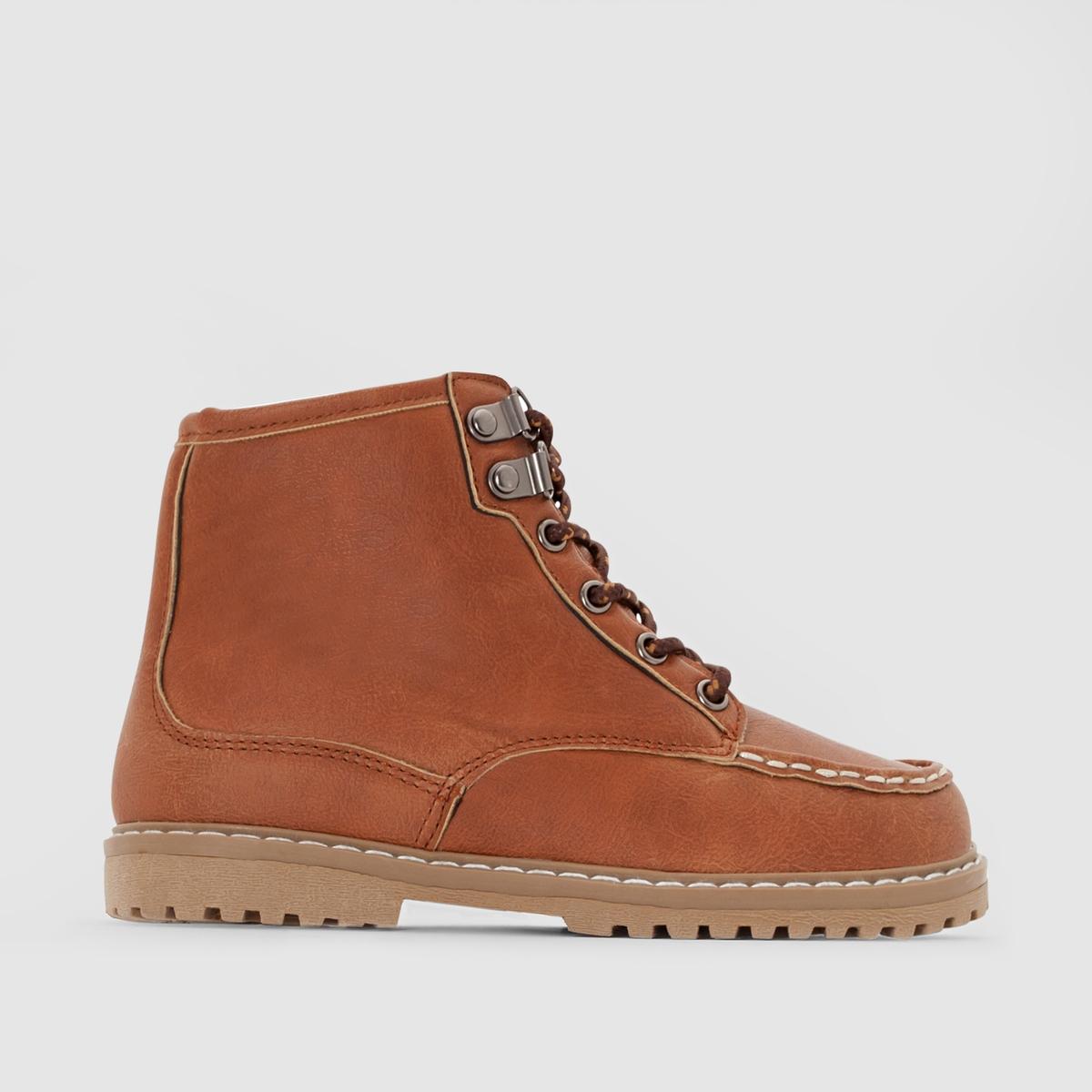 Ботинки горныеВоинственный стиль, надежная шнуровка с крючками, рифленая подошва и характер : ботинки, в которых ваши дети пройдут сотни дорог!<br><br>Цвет: темно-бежевый<br>Размер: 35.38.39
