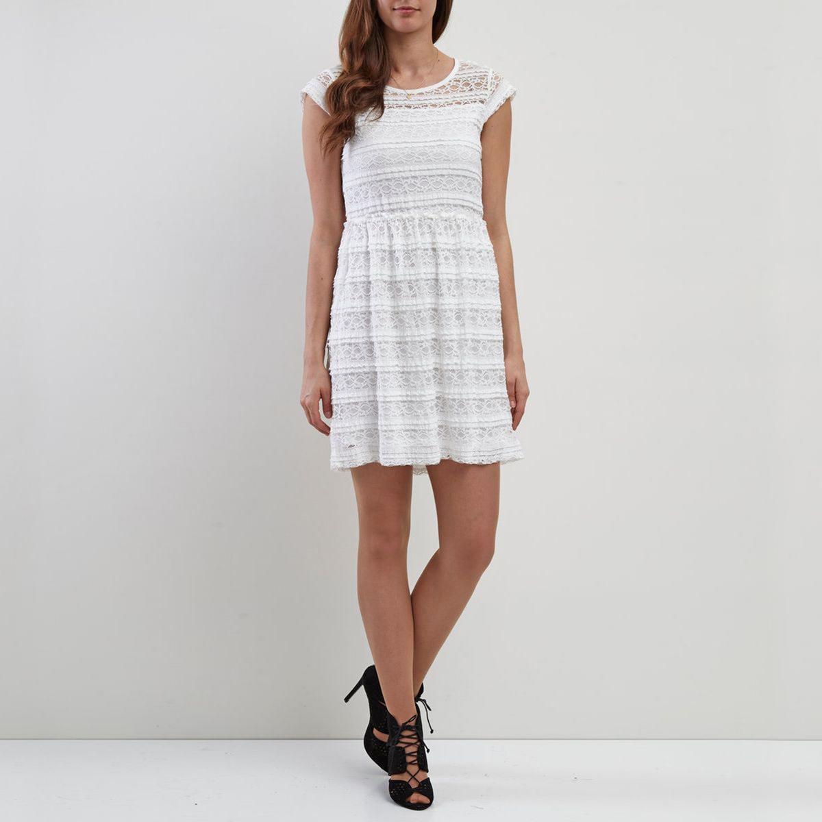 Платье расклешенное с короткими рукавамиДетали  •  Форма : расклешенная   •  Укороченная модель •  Короткие рукава    •  Круглый вырезСостав и уход  •  75% хлопка, 5% эластана, 20% полиамида •  Следуйте рекомендациям по уходу, указанным на этикетке изделия<br><br>Цвет: белый<br>Размер: M